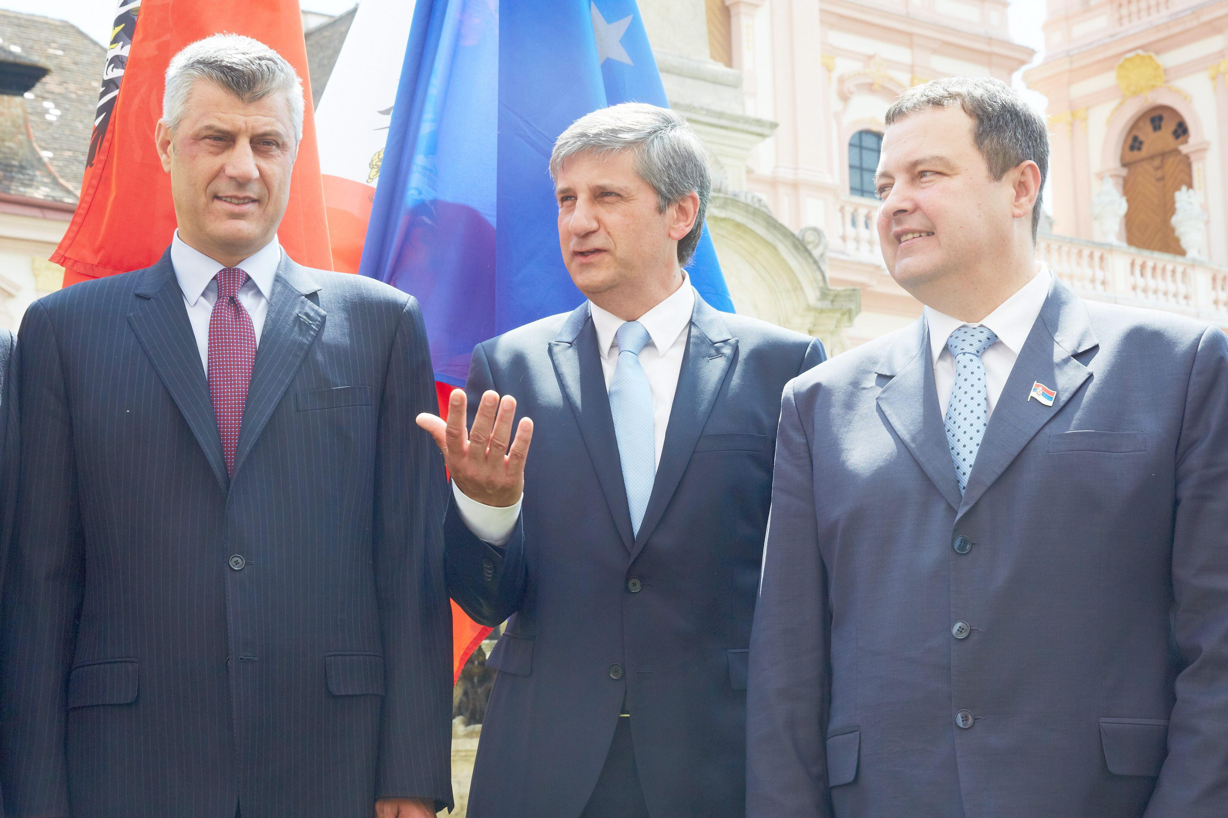 Los oficiales de enlace entre Serbia y Kosovo comienzan su trabajo