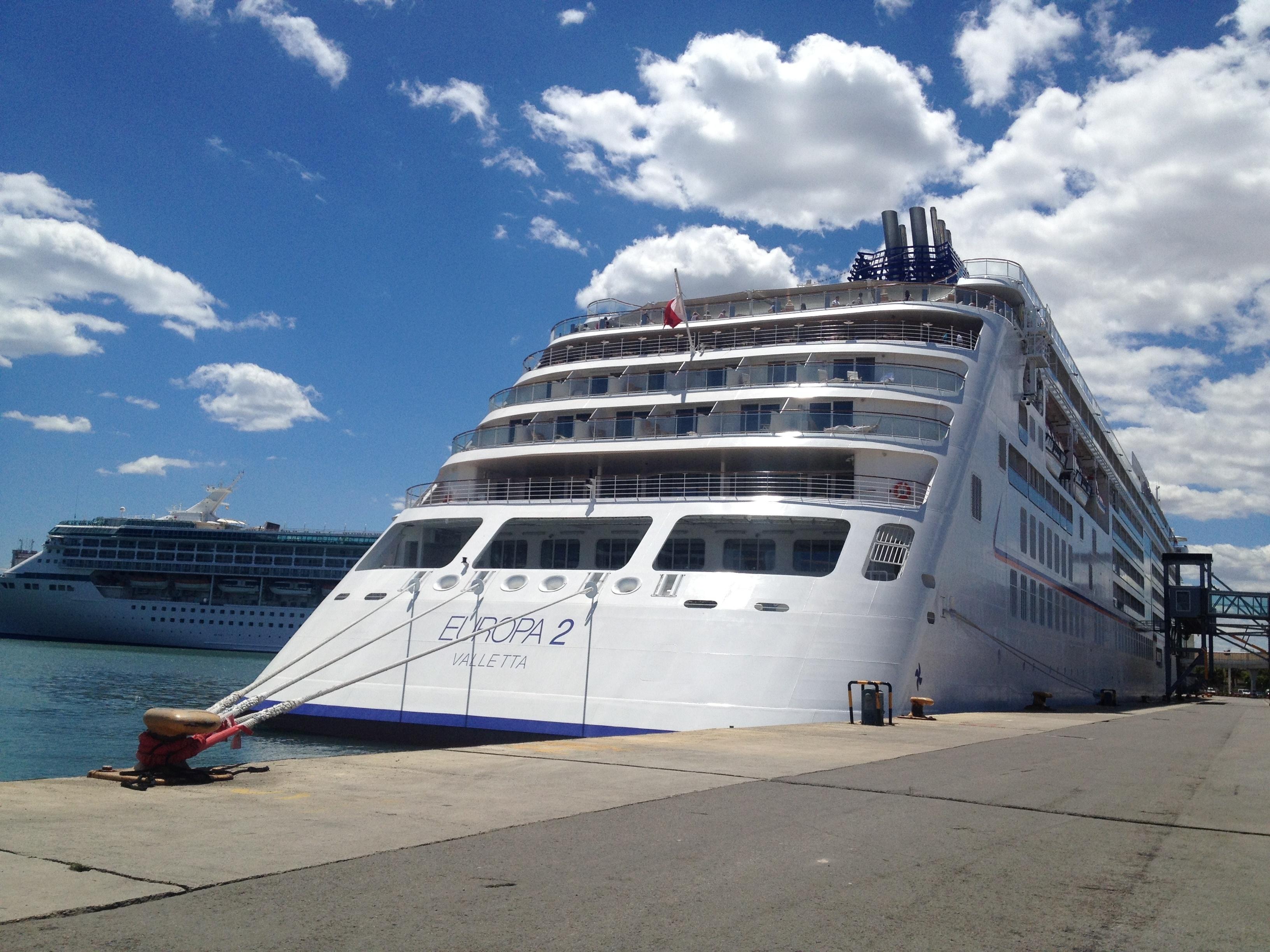 El puerto de Valencia recibe esta semana cuatro barcos con 11.000 cruceristas a bordo