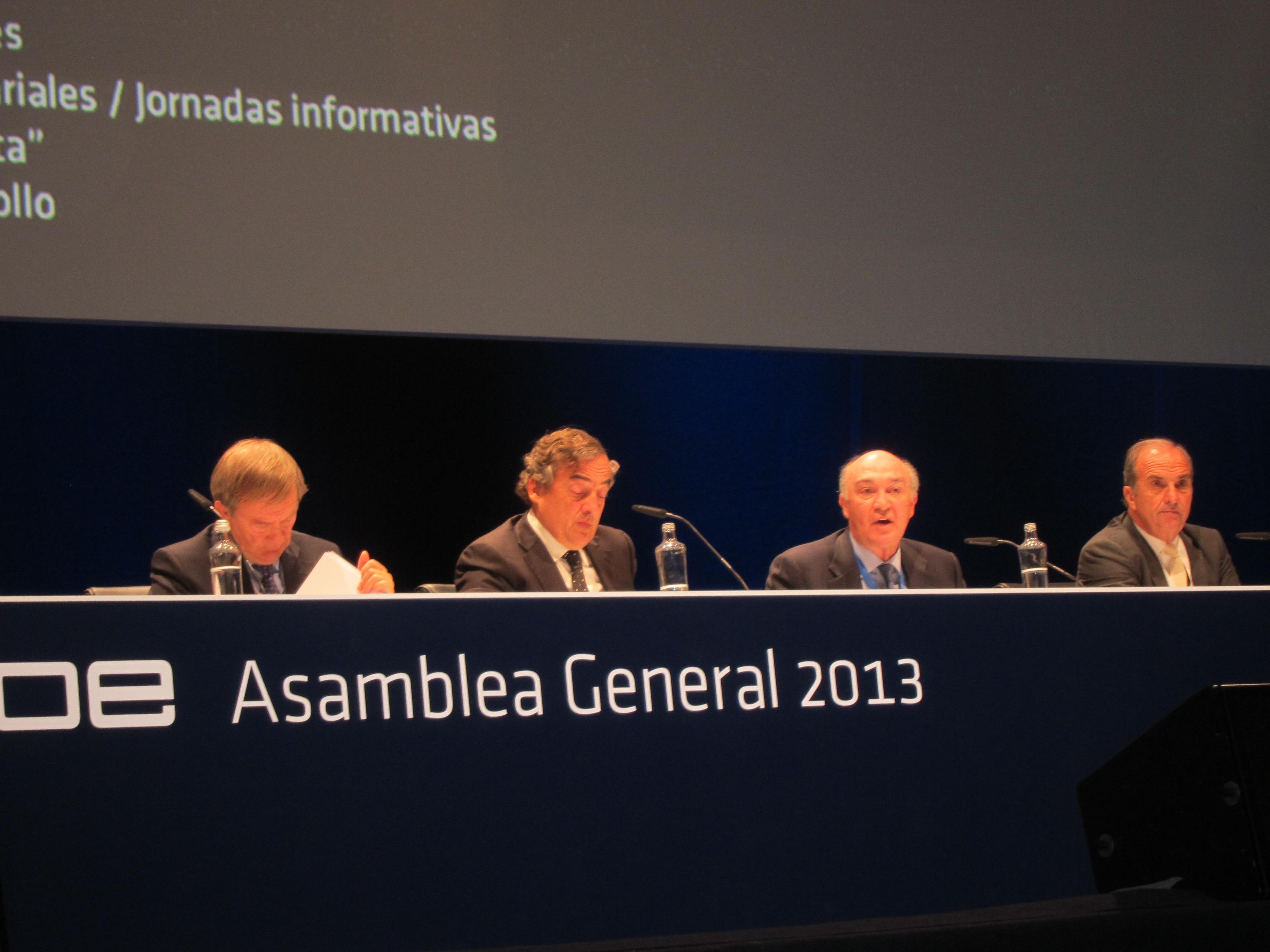 CEOE cerró 2012 con un déficit de 847.000 euros y prevé equilibrio para este año