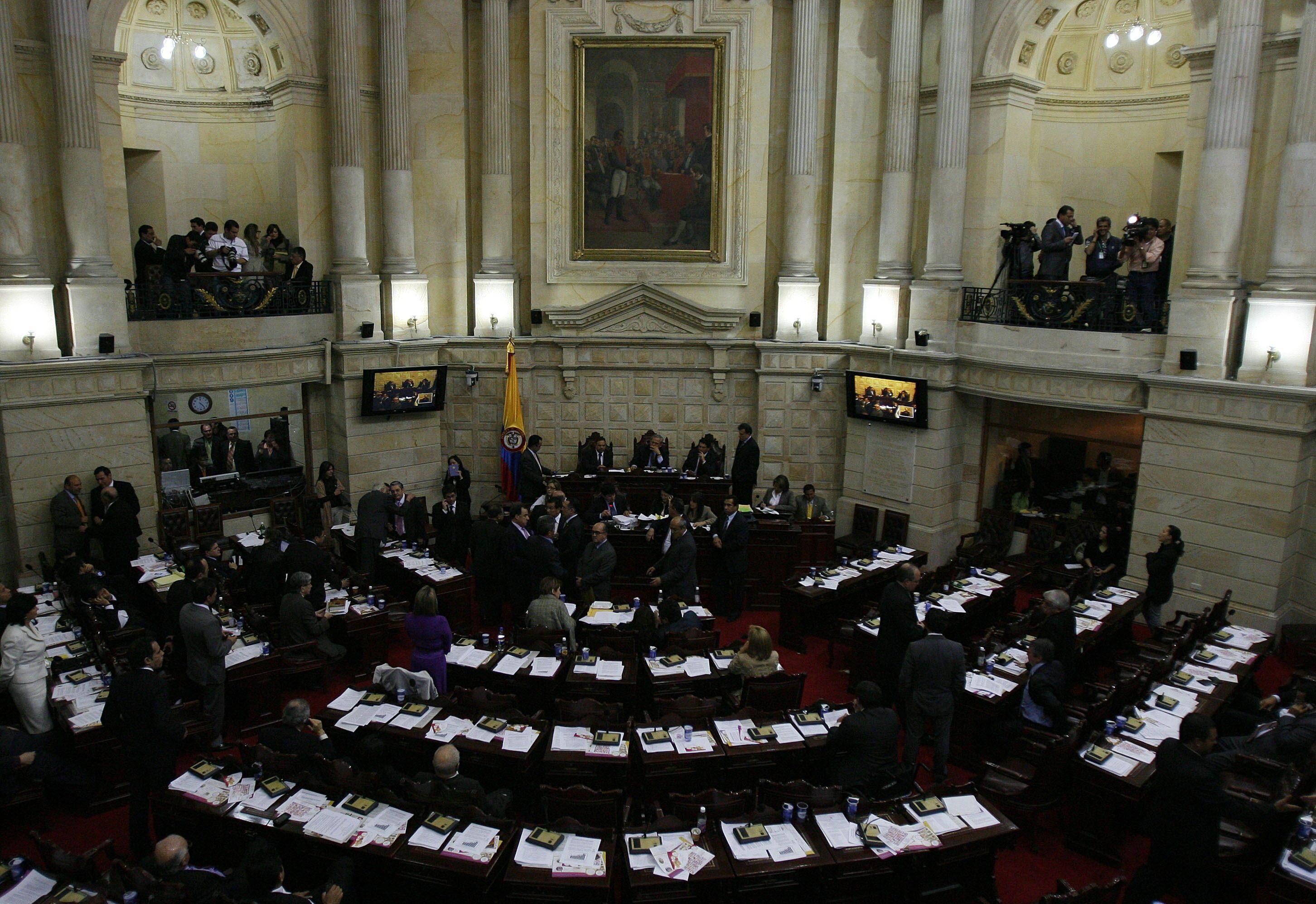 La Cámara baja colombiana aprueba la reglamentación del fuero militar