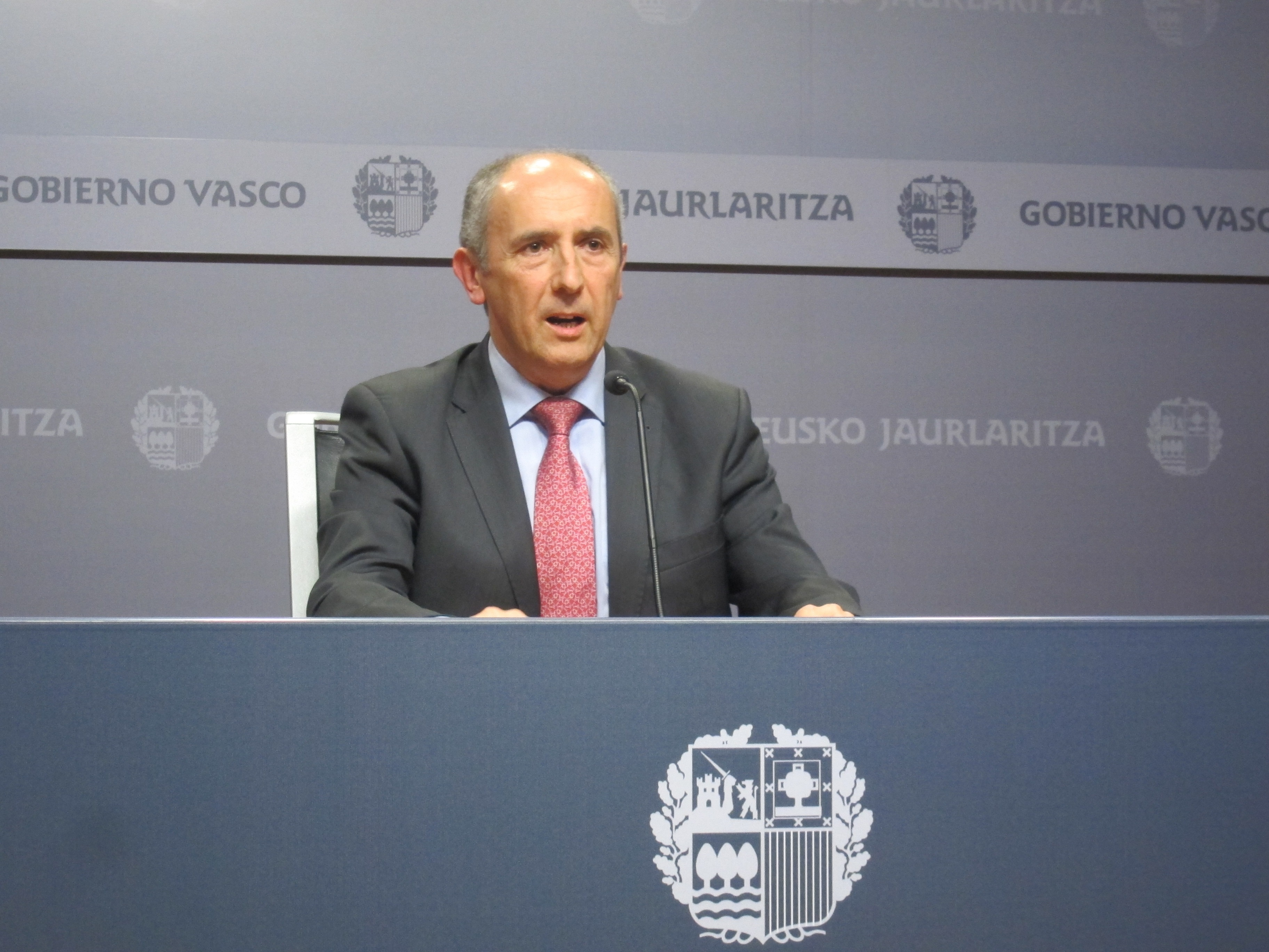 Erkoreka pide a PSOE que diga si quiere que los vascos «paguen más de lo que les corresponde» al pedir revisar el Cupo