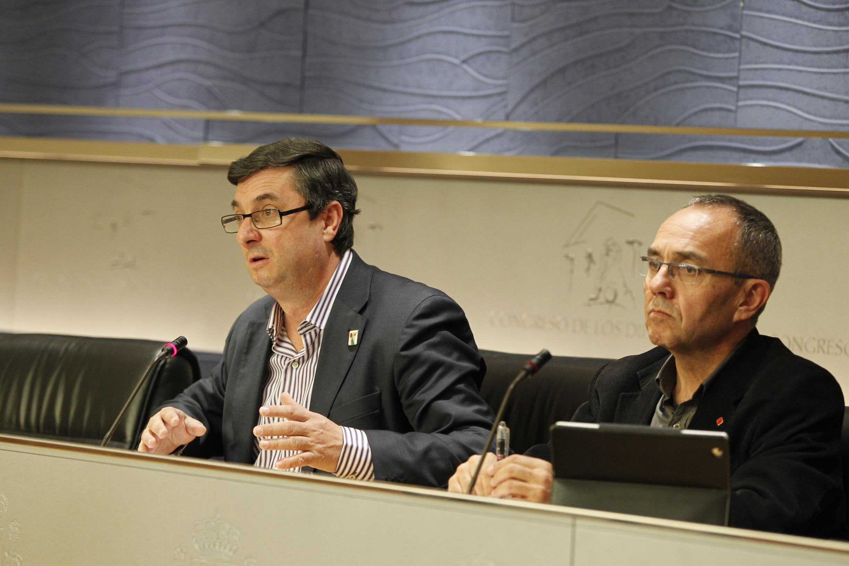 IU-ICV no entiende que el PSOE esté «a gusto» con el acuerdo europeo pactado con el Gobierno