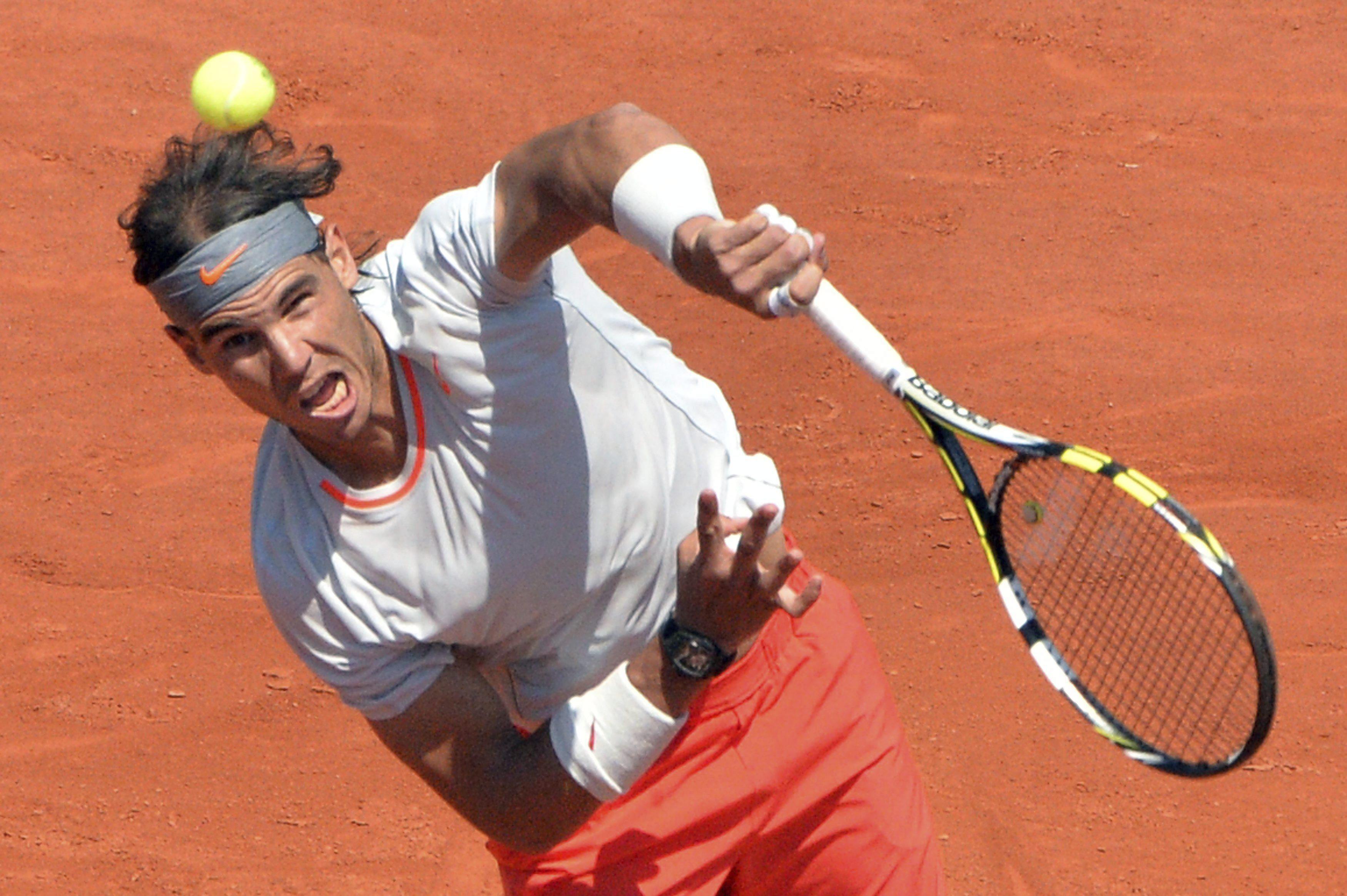 Nadal cree que debe adaptar la agresividad de Roland Garros «a la hierba de Wimbledon»