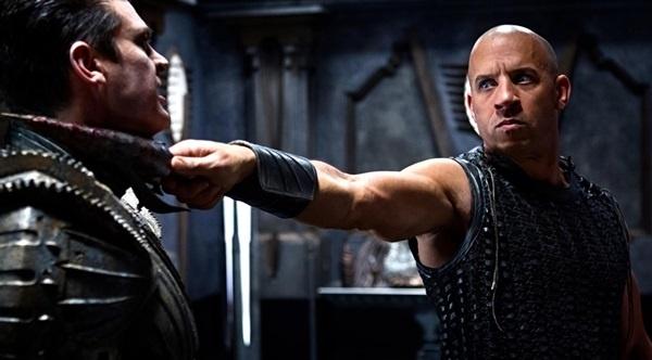 Nuevo tráiler de Riddick: Vin Diesel es letal incluso encadenado