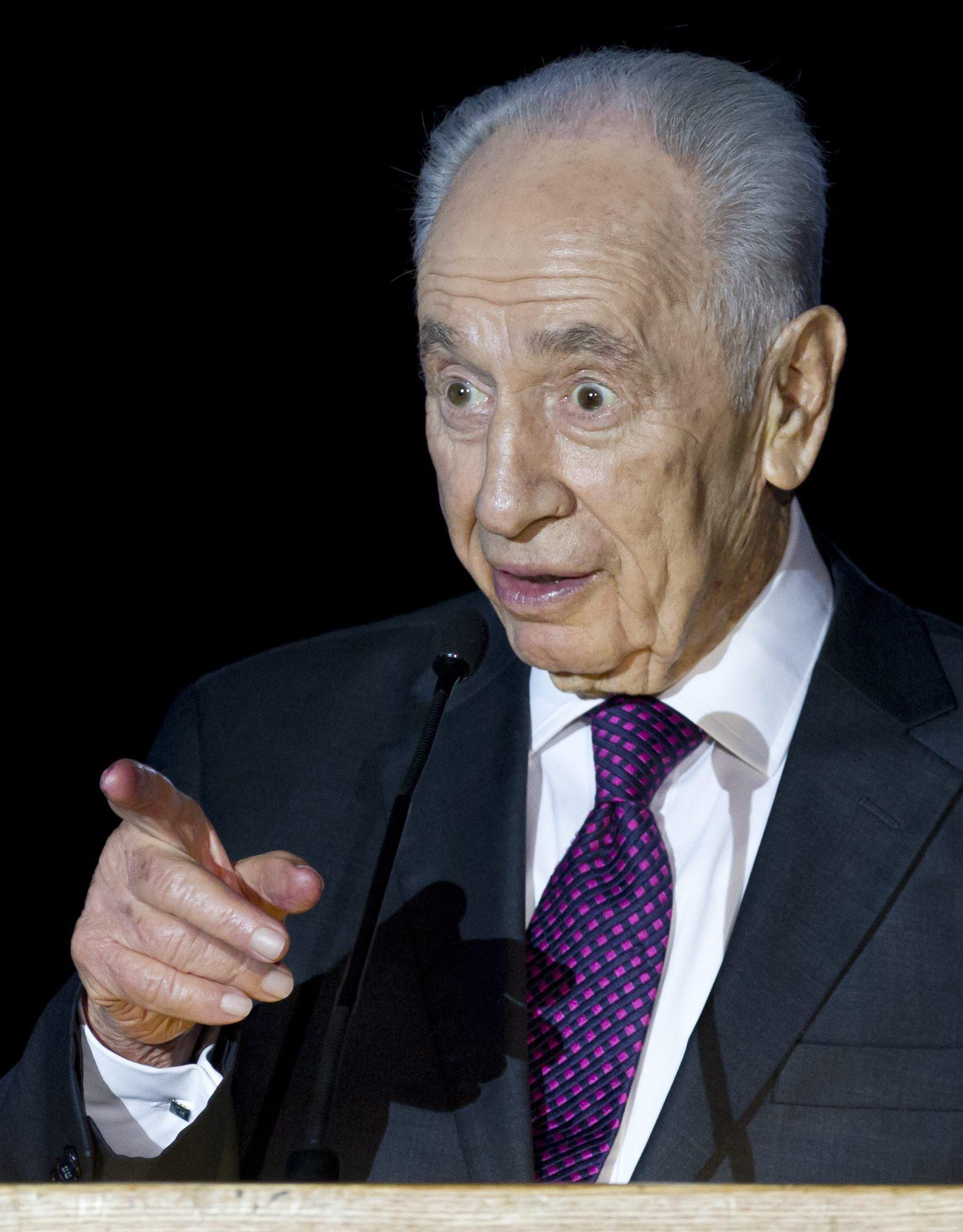 Peres asegura que la opción para la paz es crear un Estado palestino