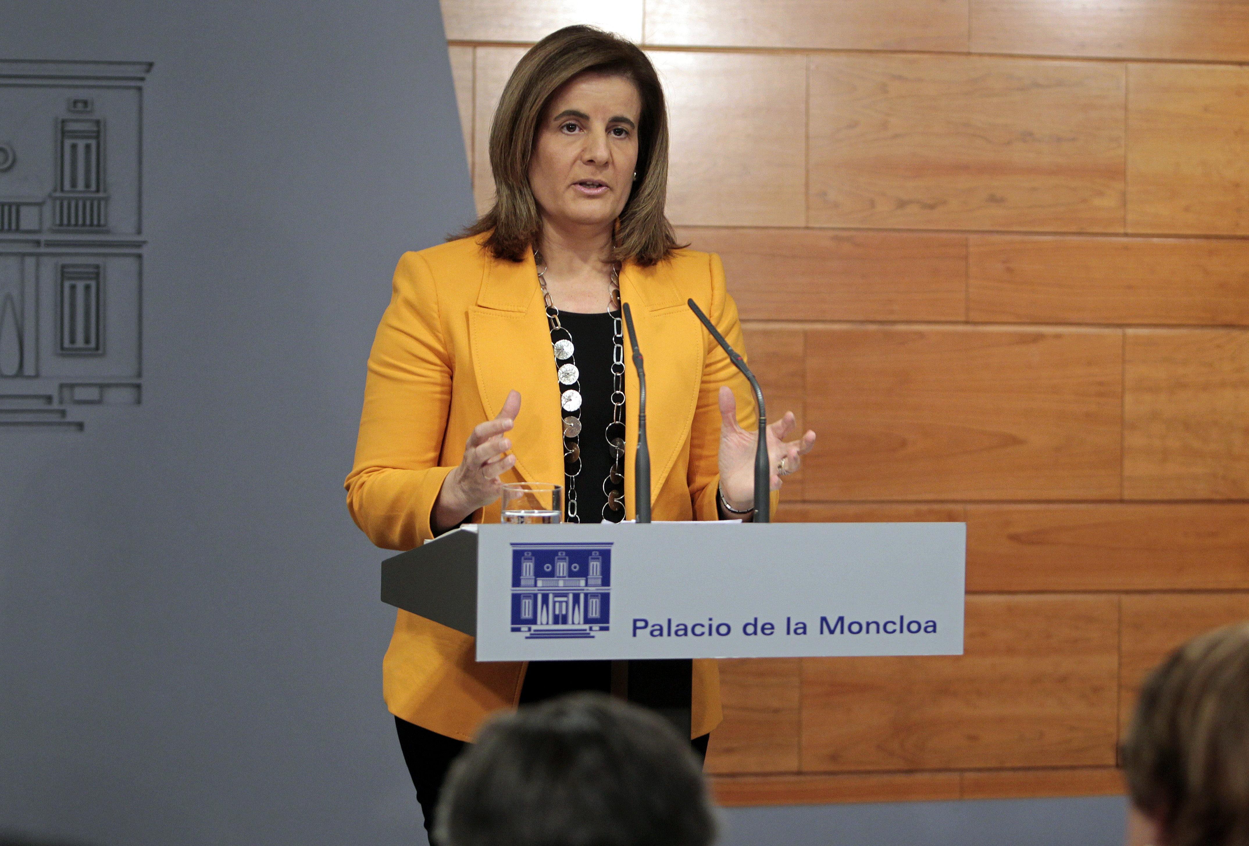 Báñez dice que España recibirá hasta 2.000 millones para el desempleo juvenil
