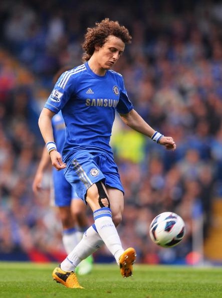 El PSG se fija en el central brasileño David Luiz