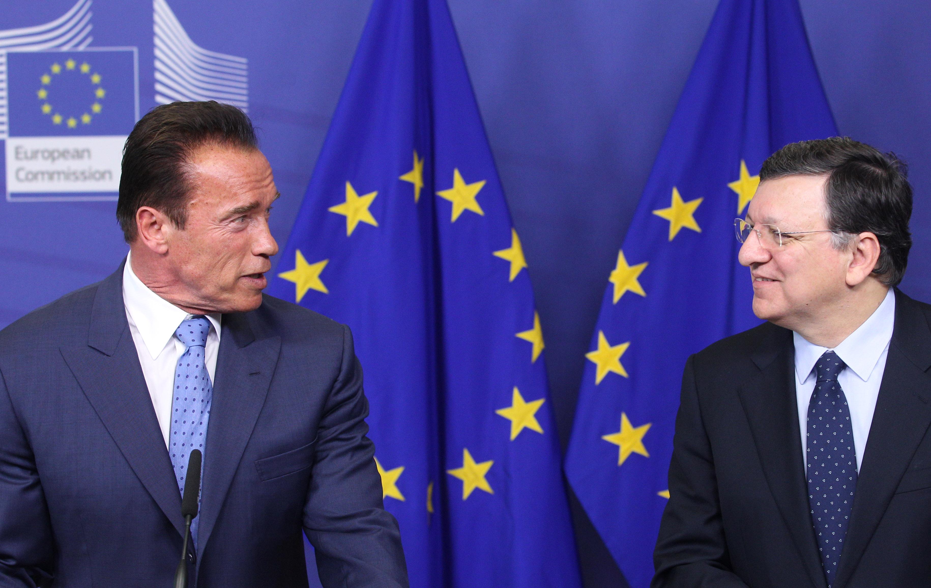 Schwarzenegger lleva a la UE su «cruzada» contra cambio climático
