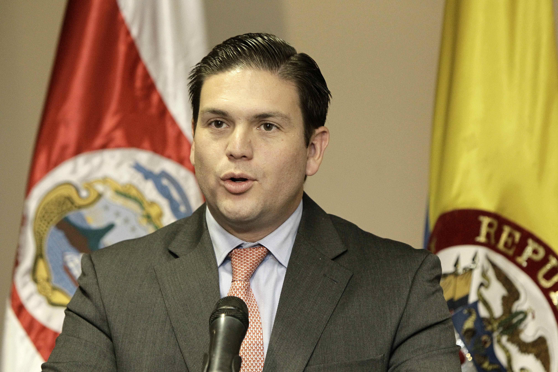 Colombia y la OTAN firman acuerdo de intercambio de información y experiencia