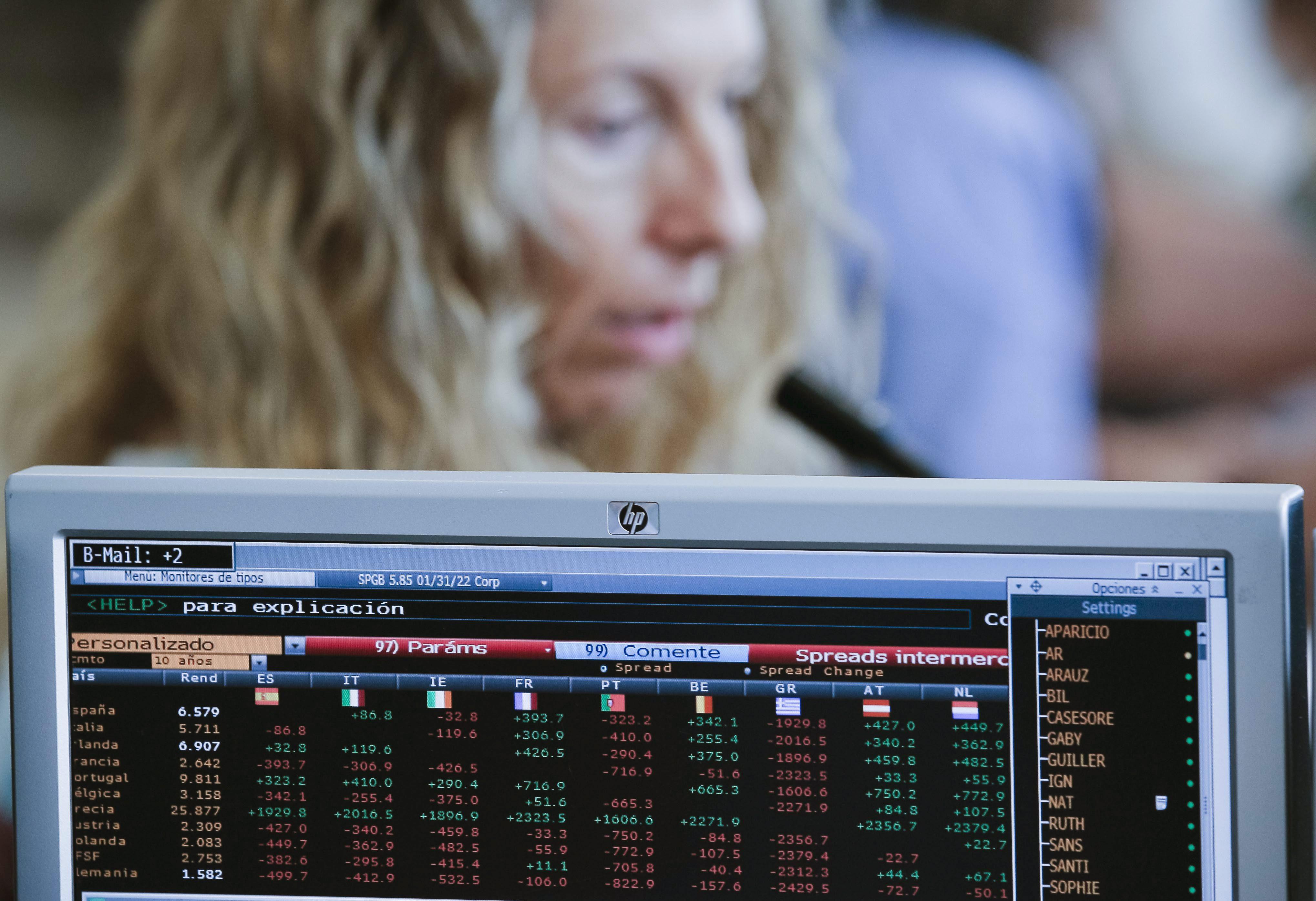 España coloca 3.074 millones a 3 y 9 meses al interés más alto del año