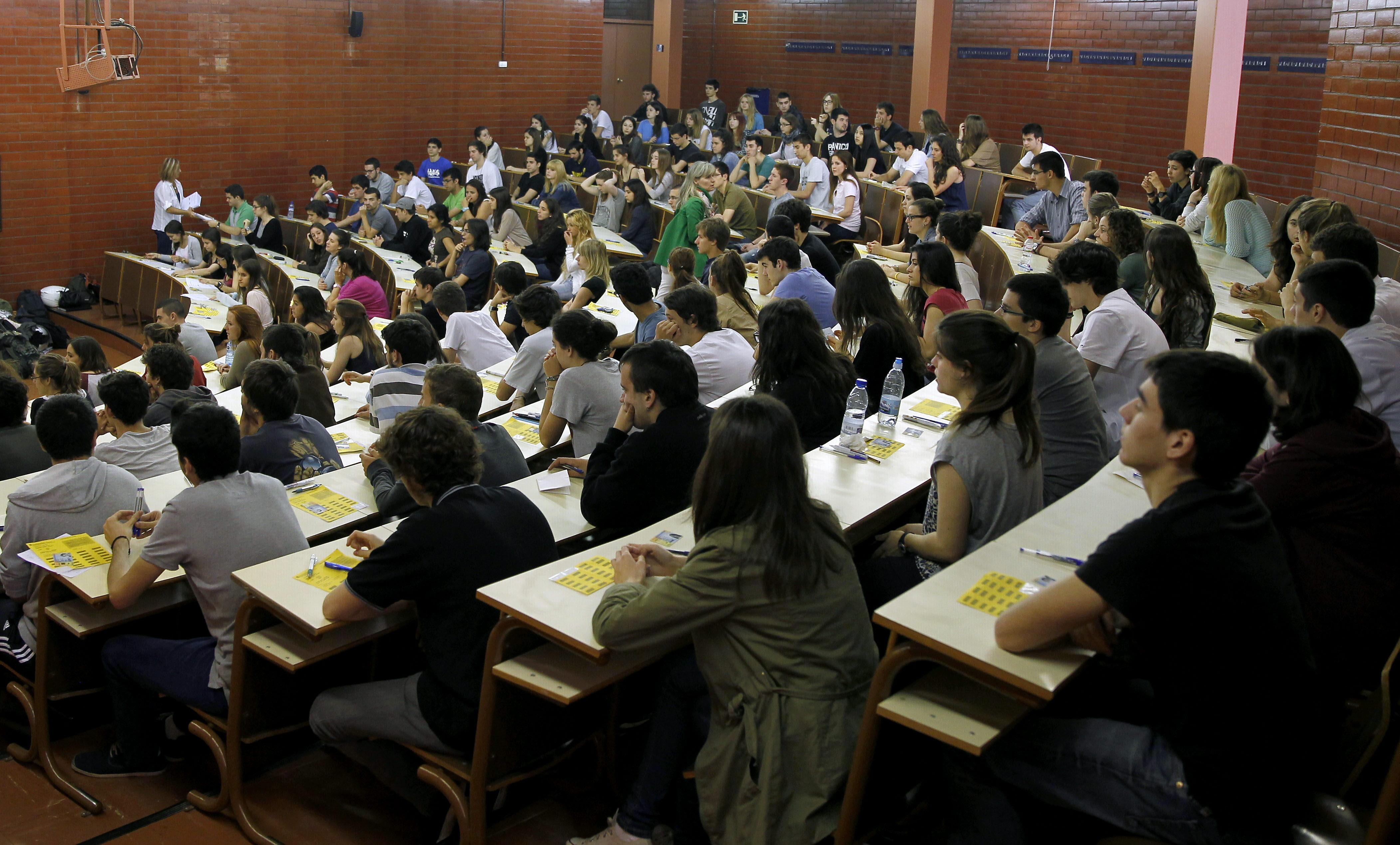 La OCDE pide medidas «urgentes» para los jóvenes que ni estudian ni trabajan