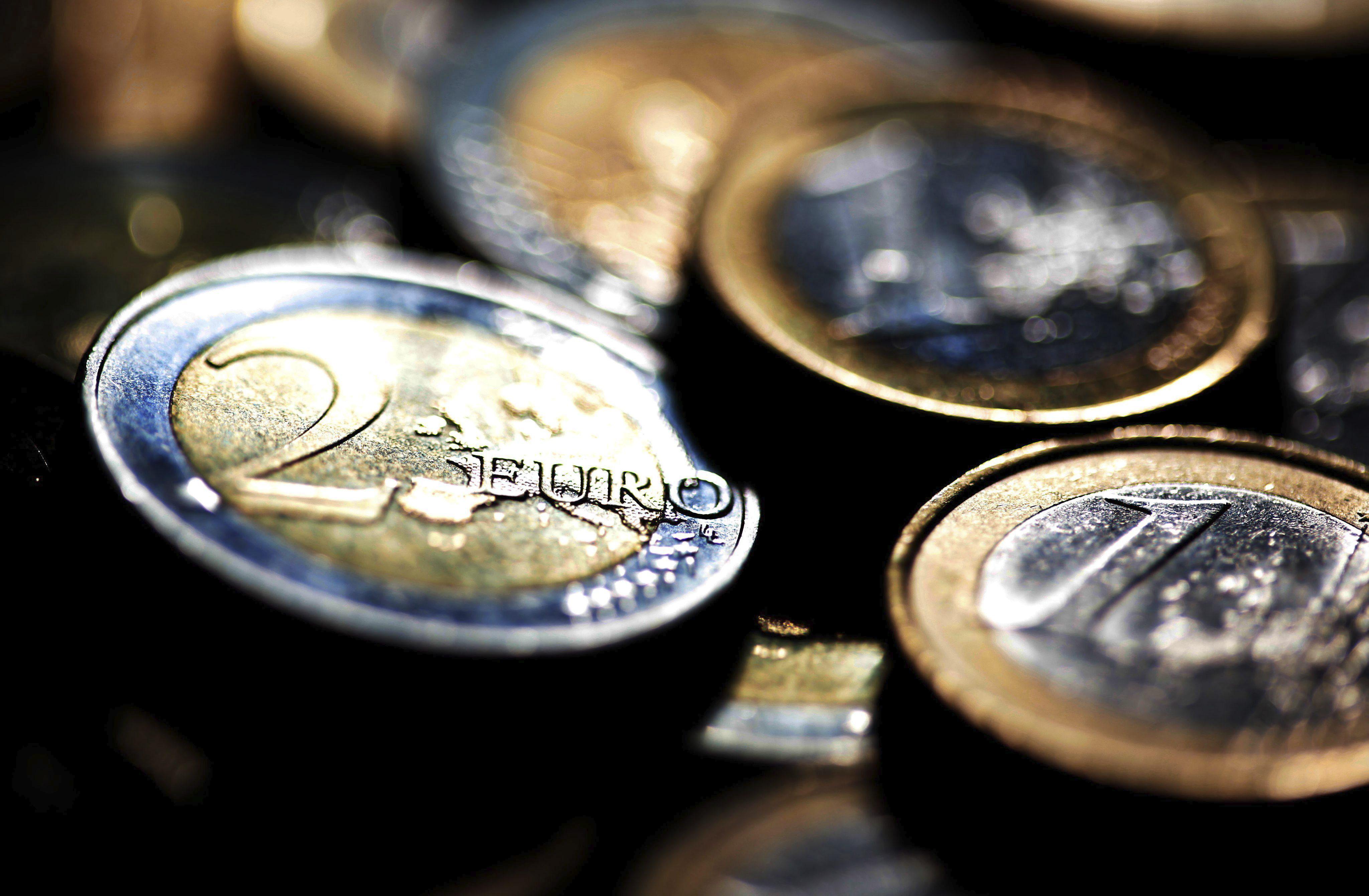 El euro sube en la apertura de Fráncfort a 1,3118 dólares