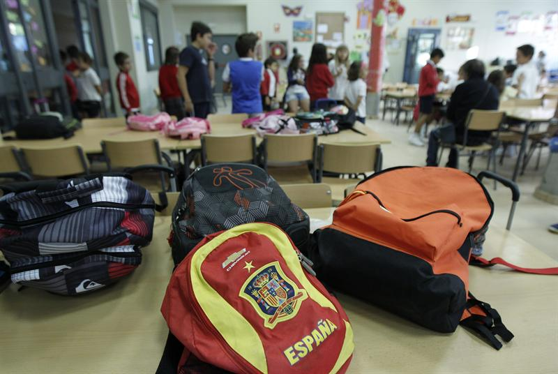 España gasta en educación un 15% más que la OCDE por año y alumno