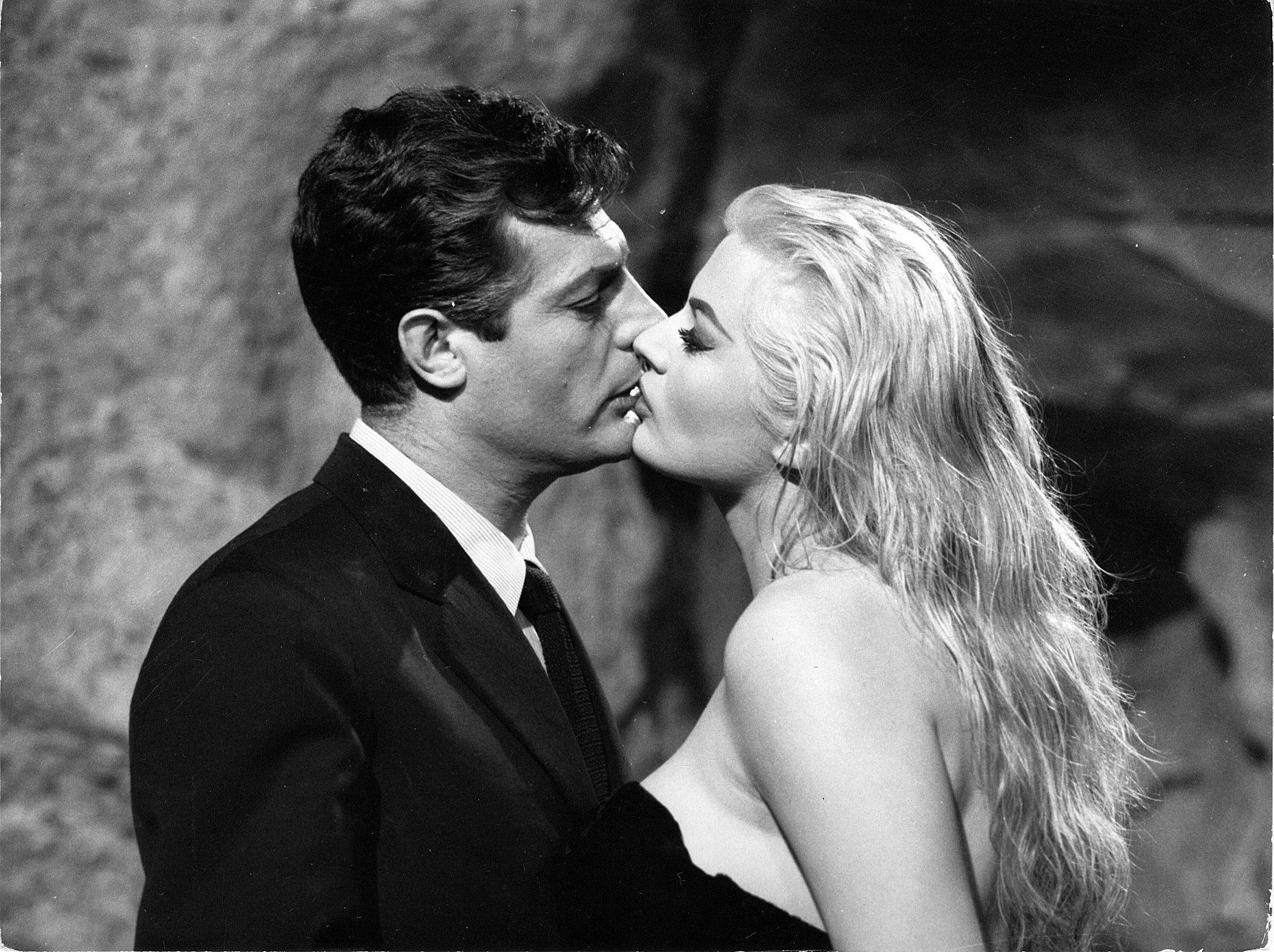 Amsterdam revive el universo de Fellini en la mayor antológica sobre el cineasta