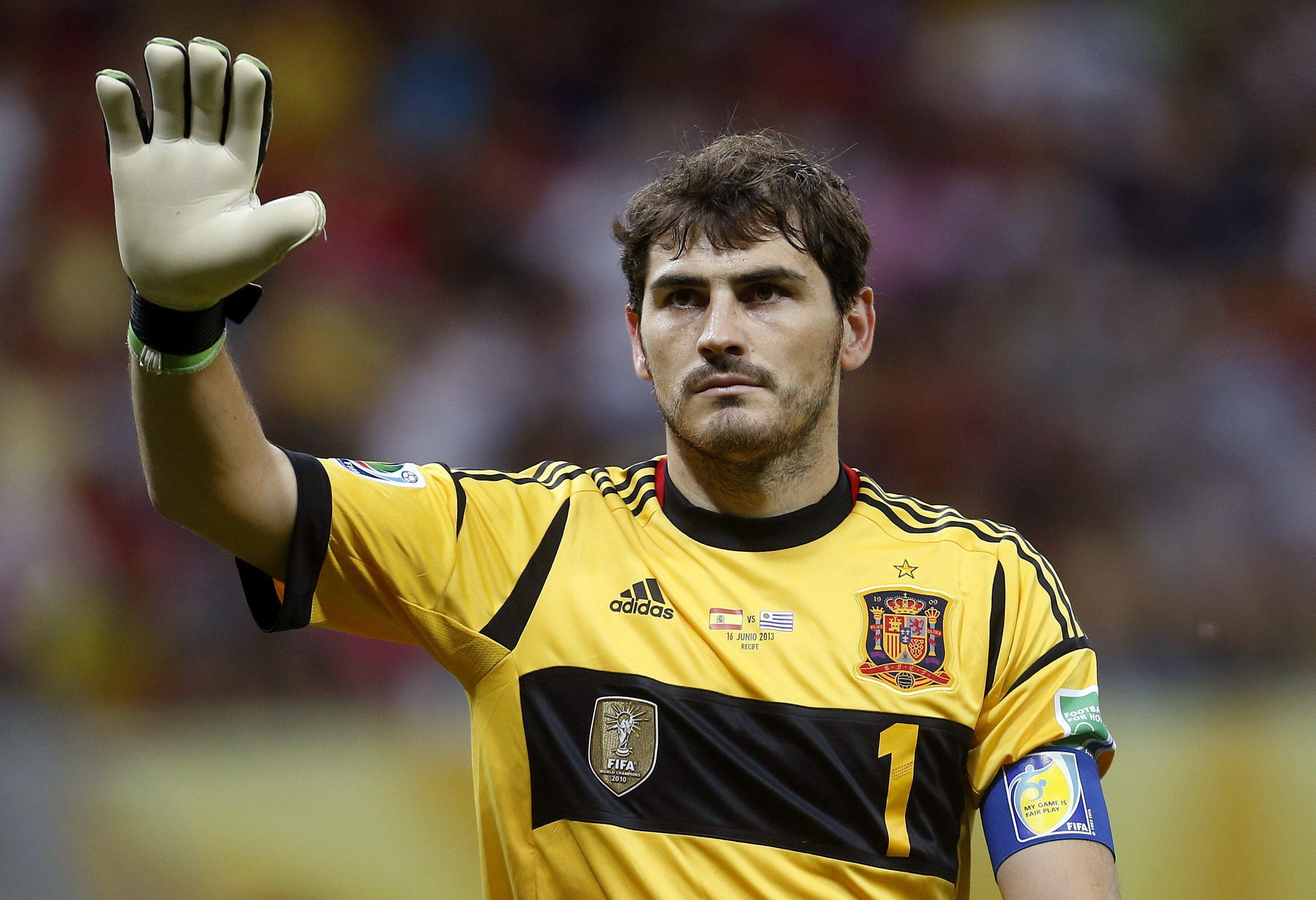 Casillas, Xavi e Iniesta entran en el selecto club de los que lo han ganado todo