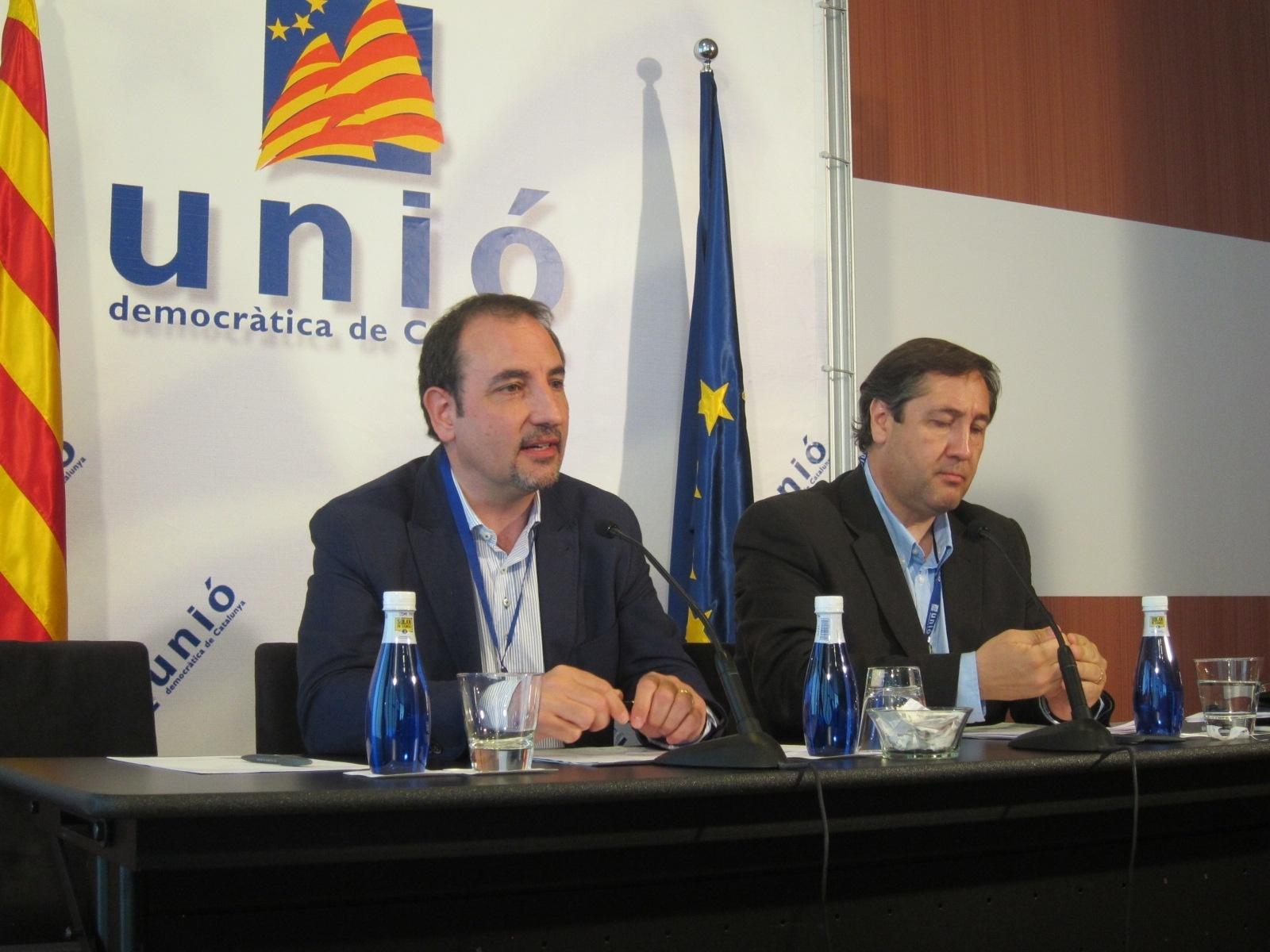 Dejan UDC dos militantes que grabaron y filtraron el discurso de Duran en Girona