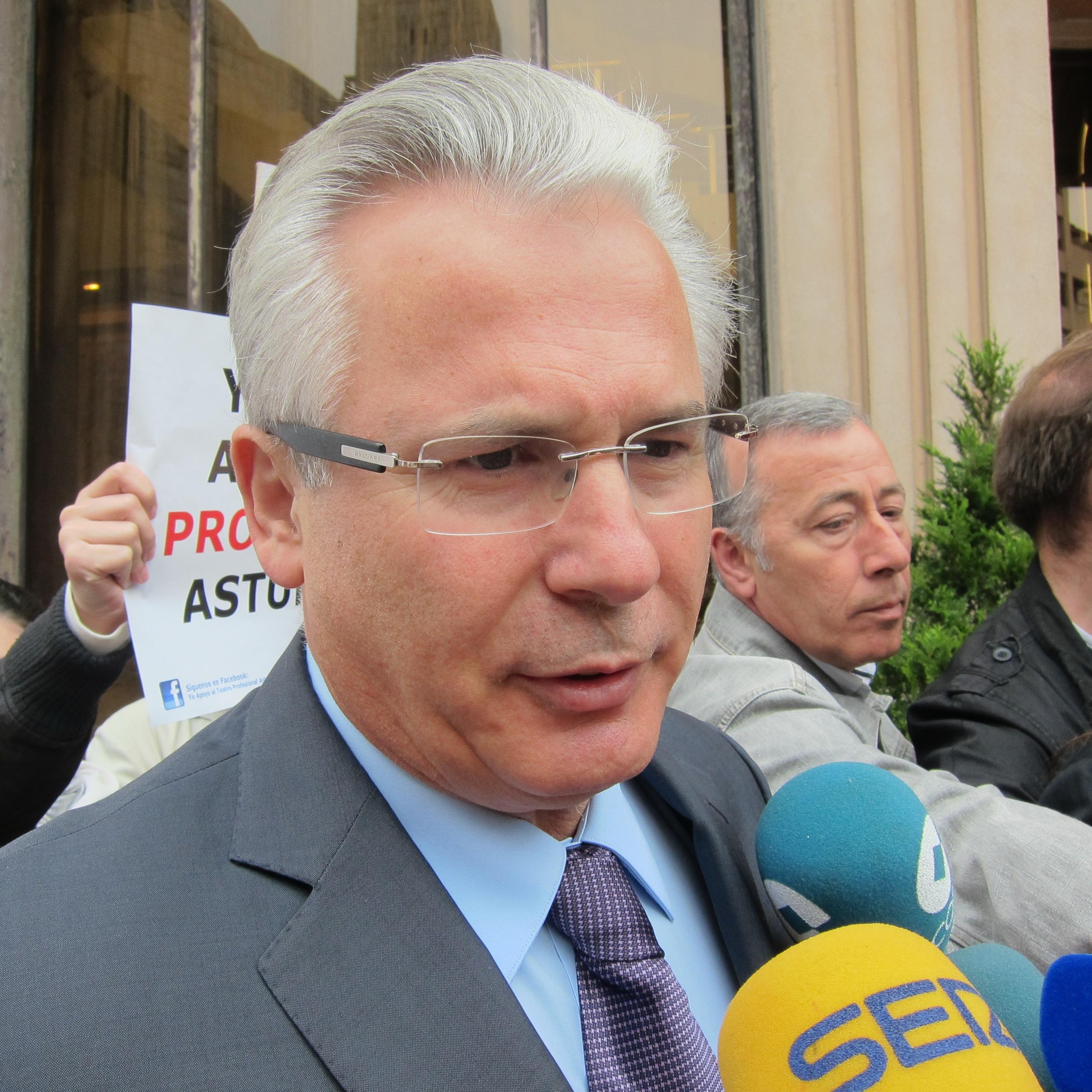 Garzón argumenta que no defenderá a Snowden porque la defensa de Assange absorbe «todo su tiempo»