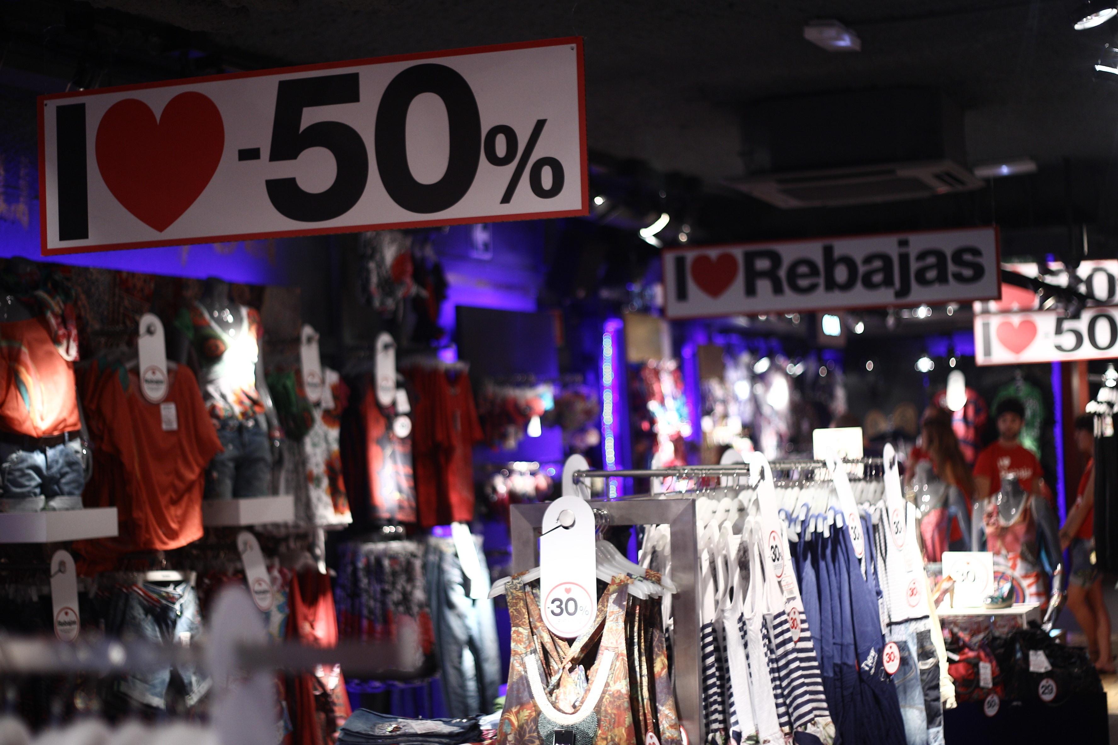 La Generalitat recuerda que los comercios tienen libertad para establecer los periodos de rebajas