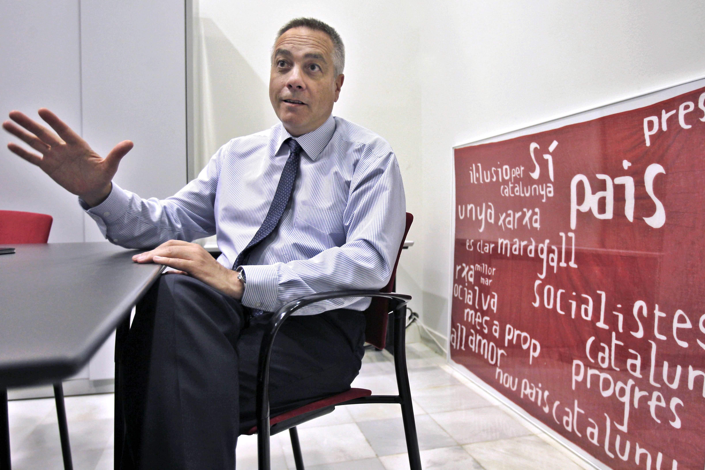 ERC replica a Navarro que su falta de apoyo a la consulta les aleja del PSC