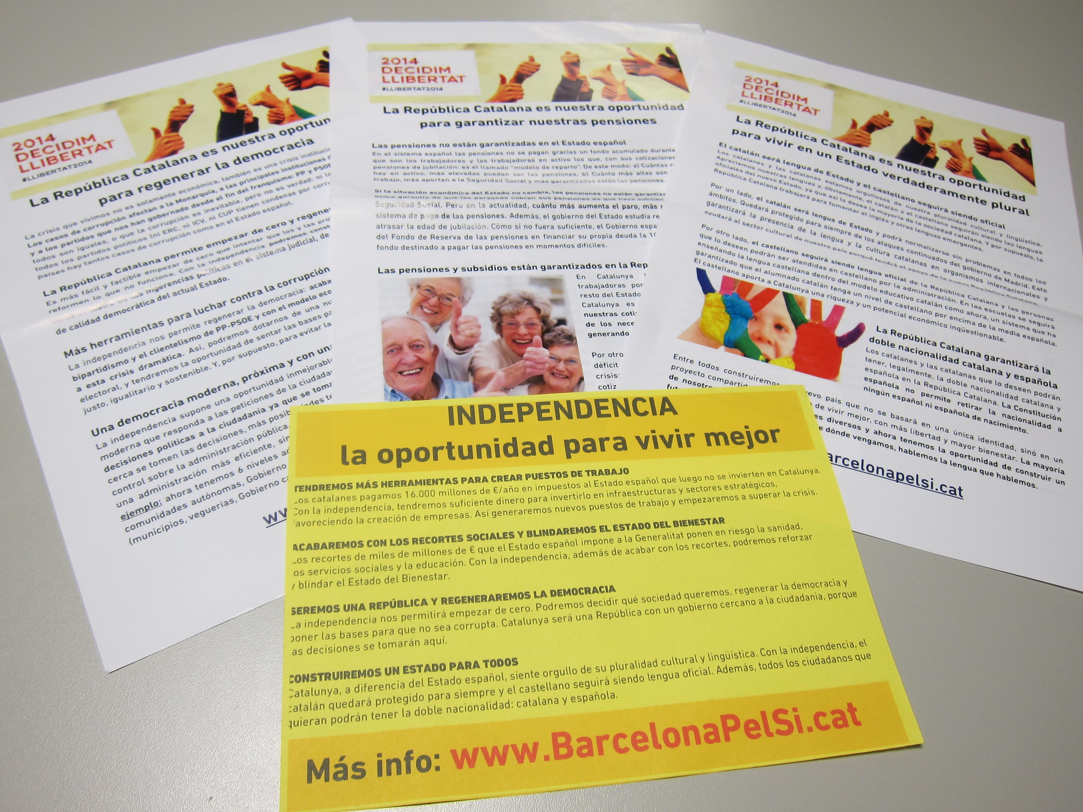 Portabella y Tardà reparten folletos en castellano y catalán sobre las preocupaciones de la gente