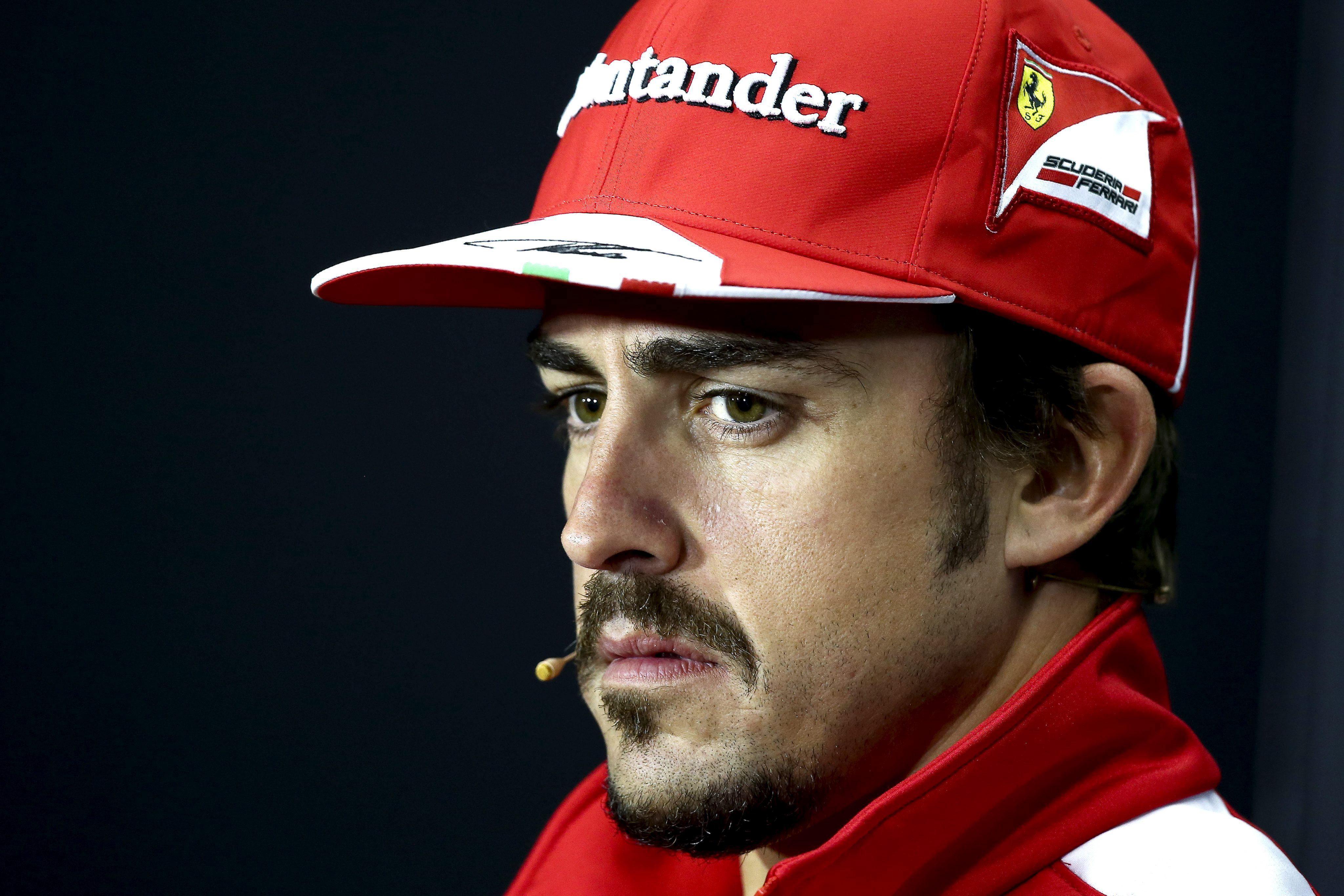 El Ferrari no anda y Alonso se mosquea