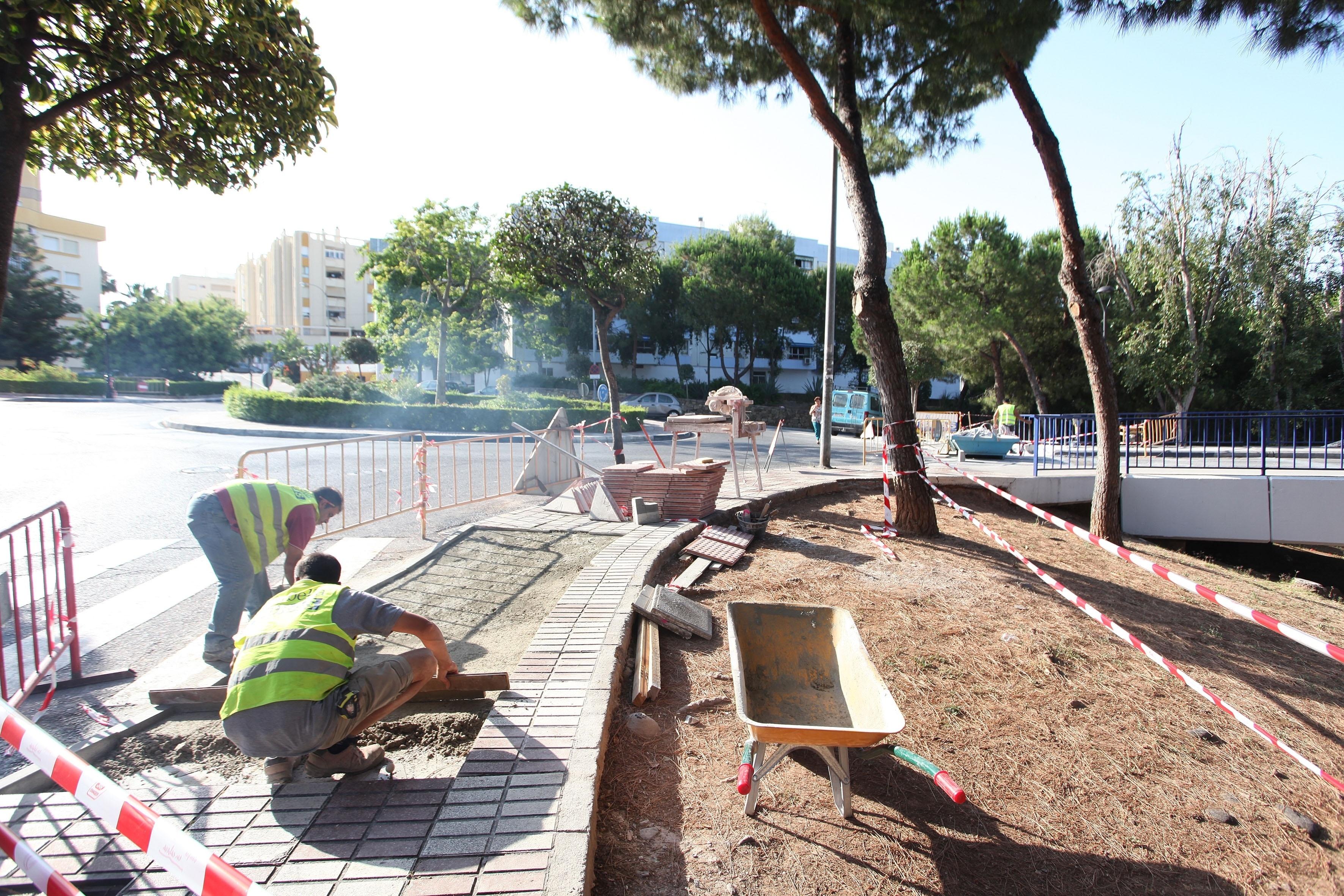 El Ayuntamiento de Marbella inicia los trabajos de mejora de la calle San Antonio y el Puente Cristo del Amor