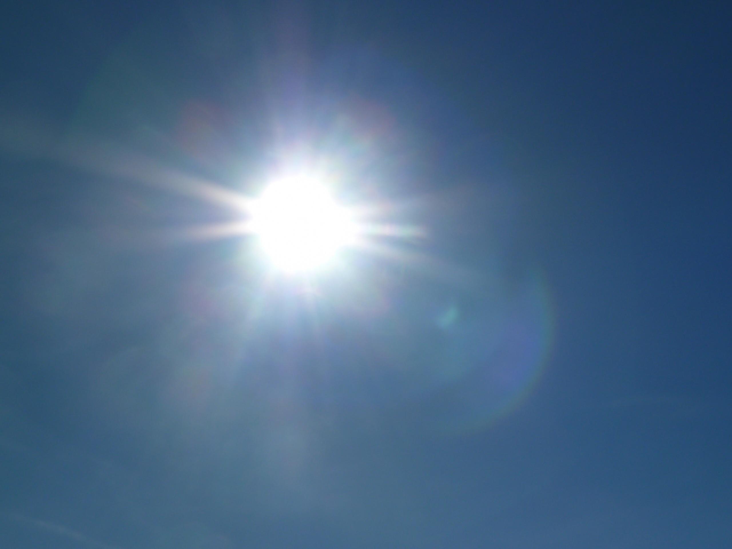 Cielos poco nubosos o despejados para este domingo en Canarias
