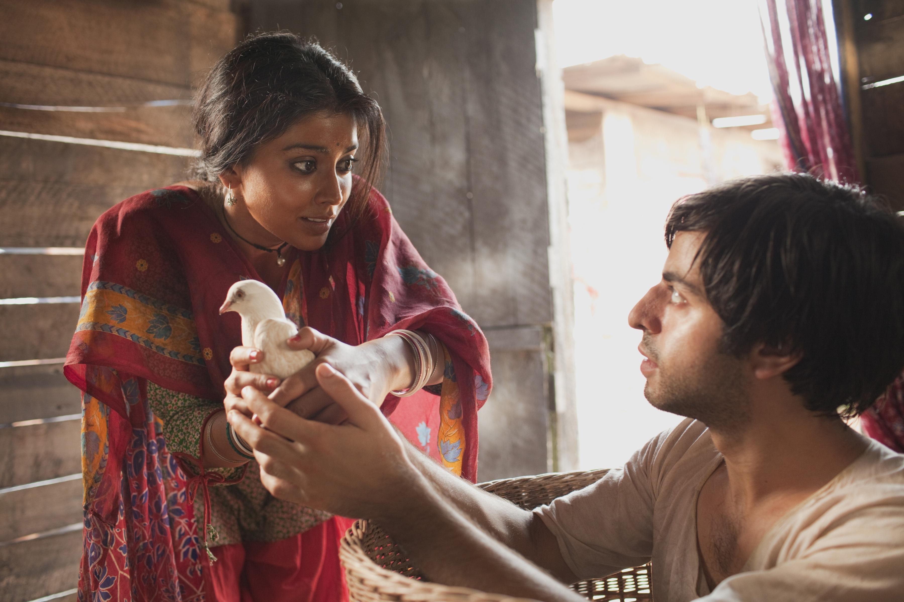 Deepa Mehta lleva a la gran pantalla »Hijos de la medianoche», el éxito literario de Salman Rushdie