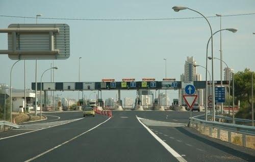 El Gobierno asegura que «no tiene previsto» implantar sistemas de pago en las carreteras estatales