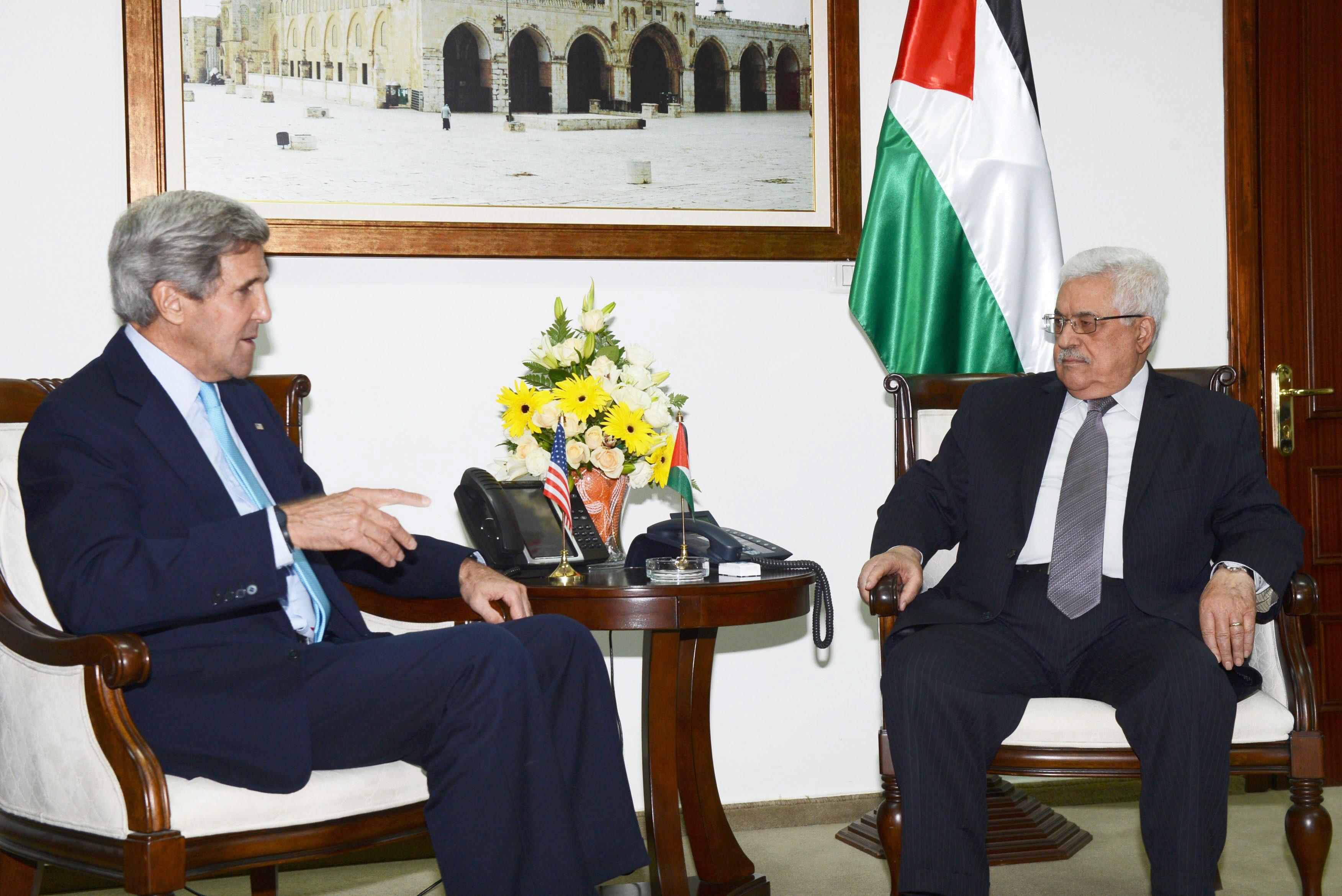 Kerry cree que «hay un progreso real, pero aún deben trabajar para reanudar el diálogo»