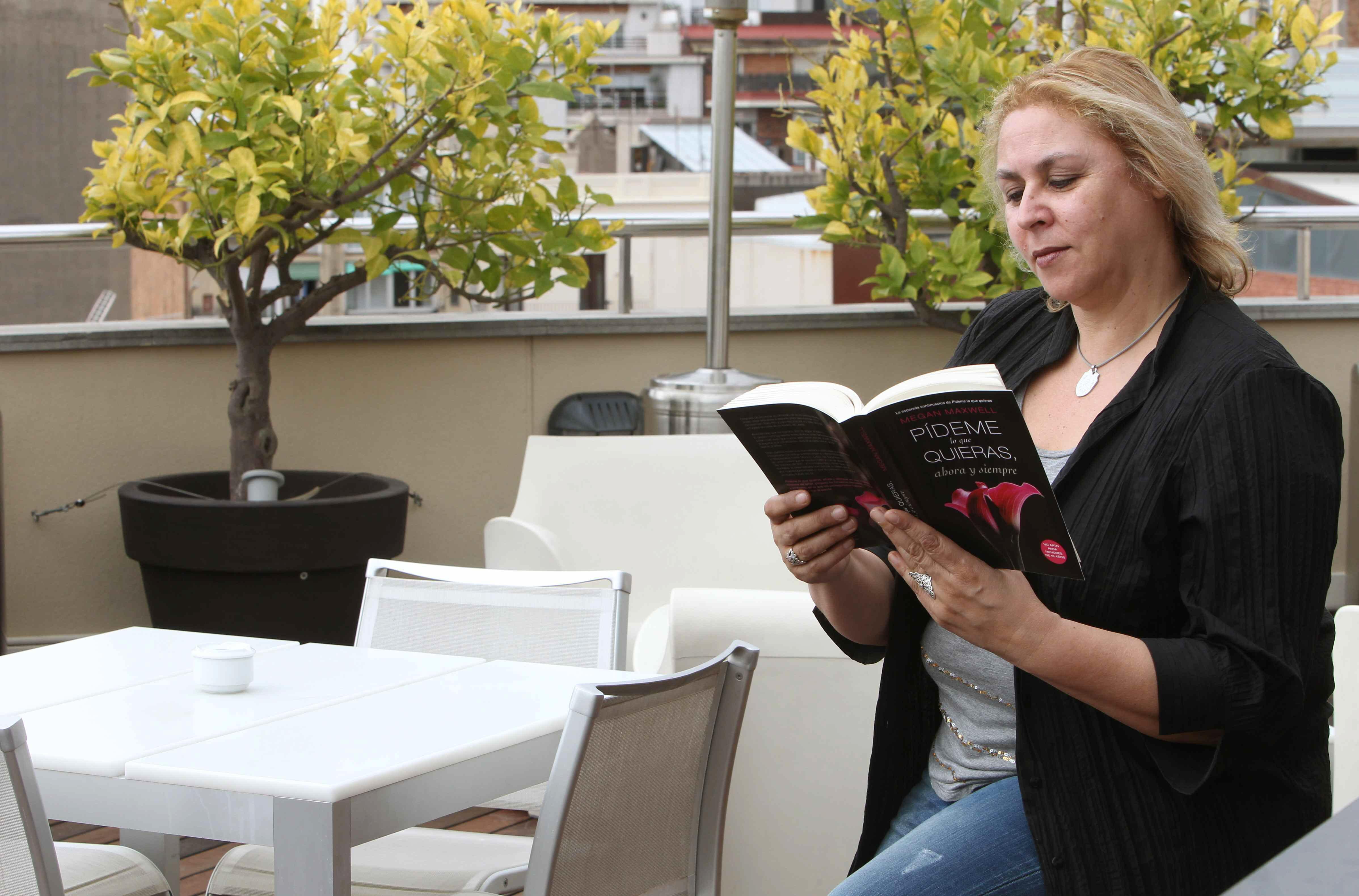 Megan Maxwell pone fin a su trilogía erótica de «rollito español»