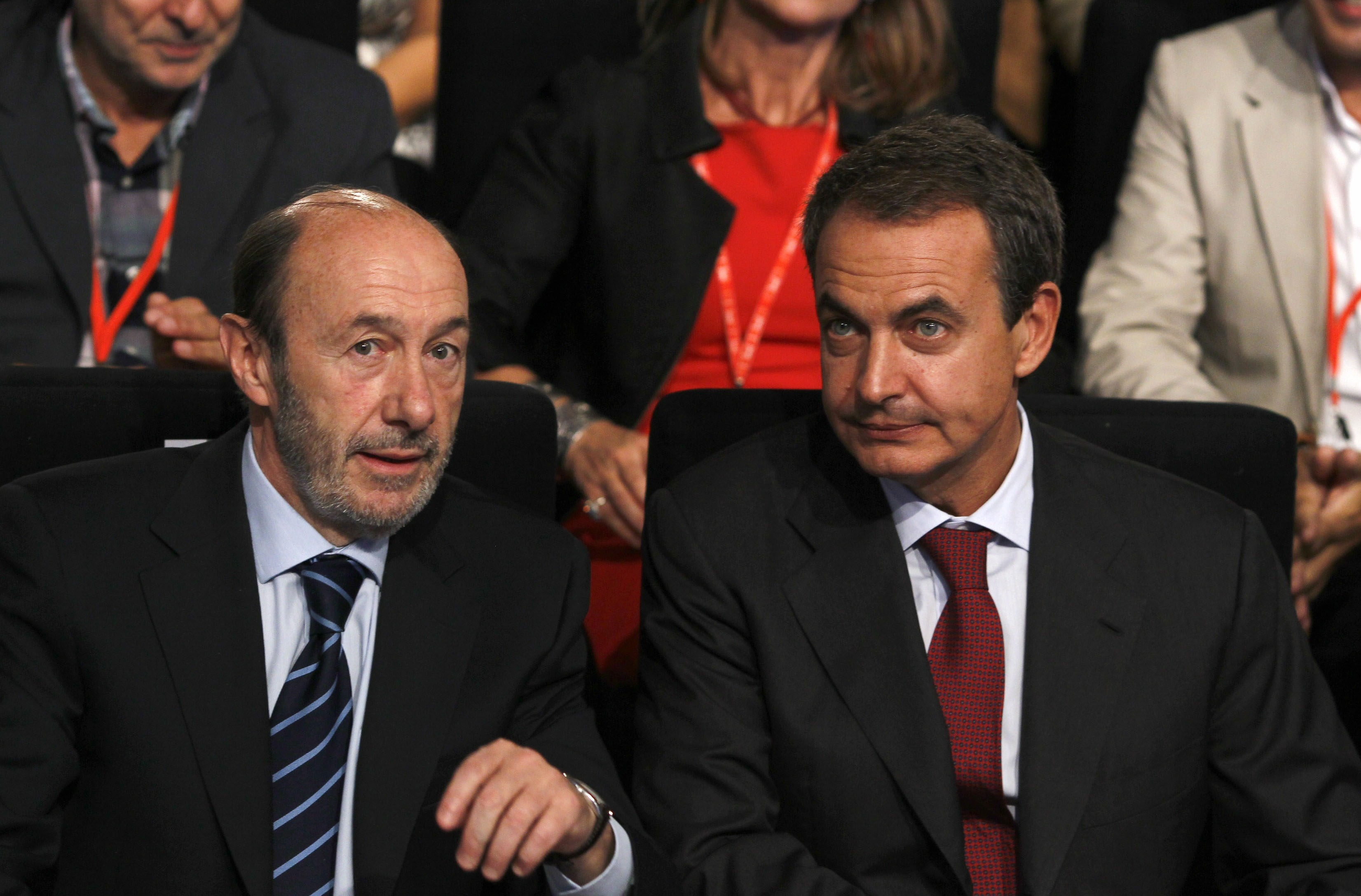 Zapatero insta a los socialistas a «apoyar y escuchar los impulsos» de Rubalcaba