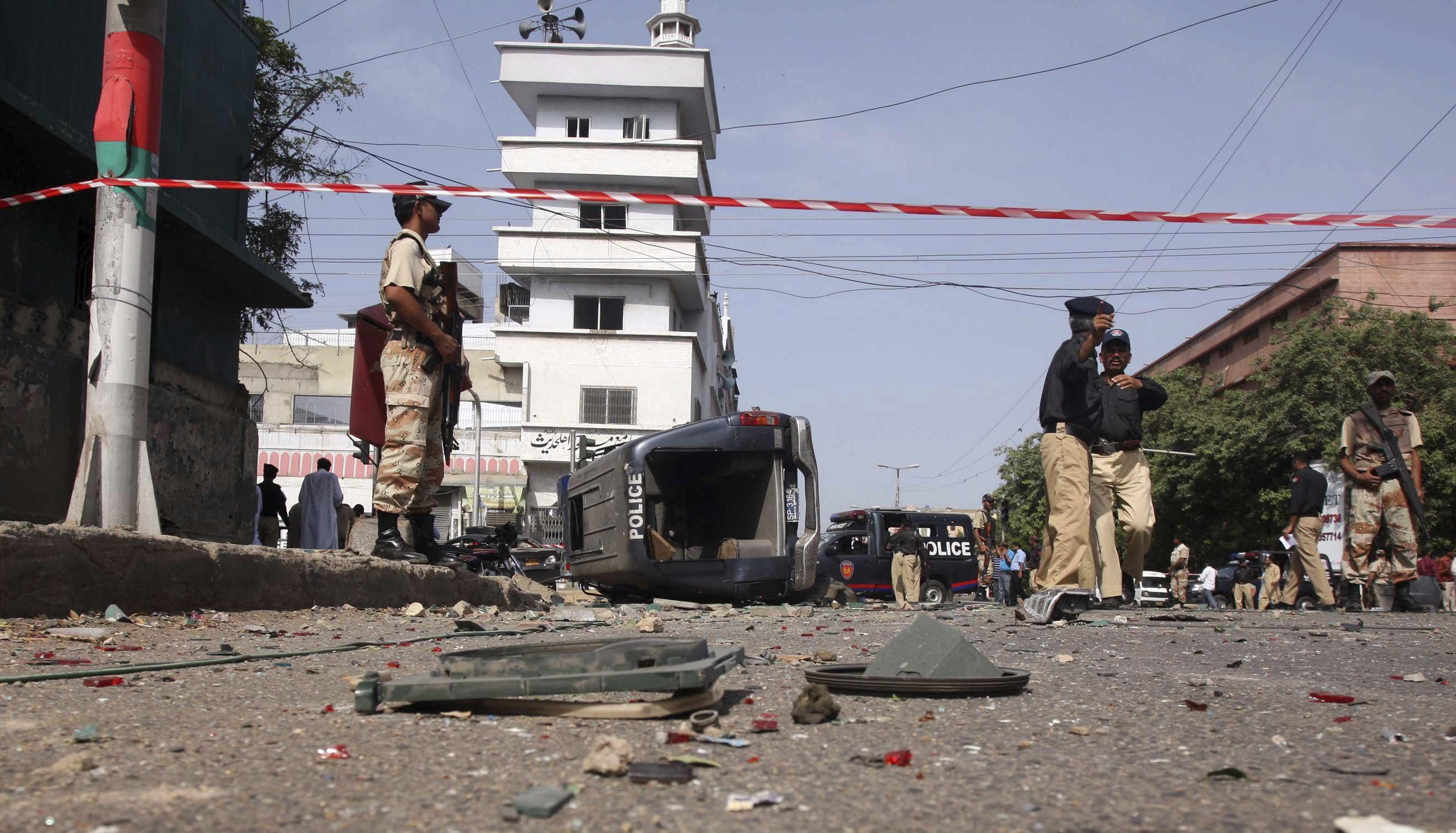 Al menos 9 muertos en un atentado contra las fuerzas seguridad en Pakistán
