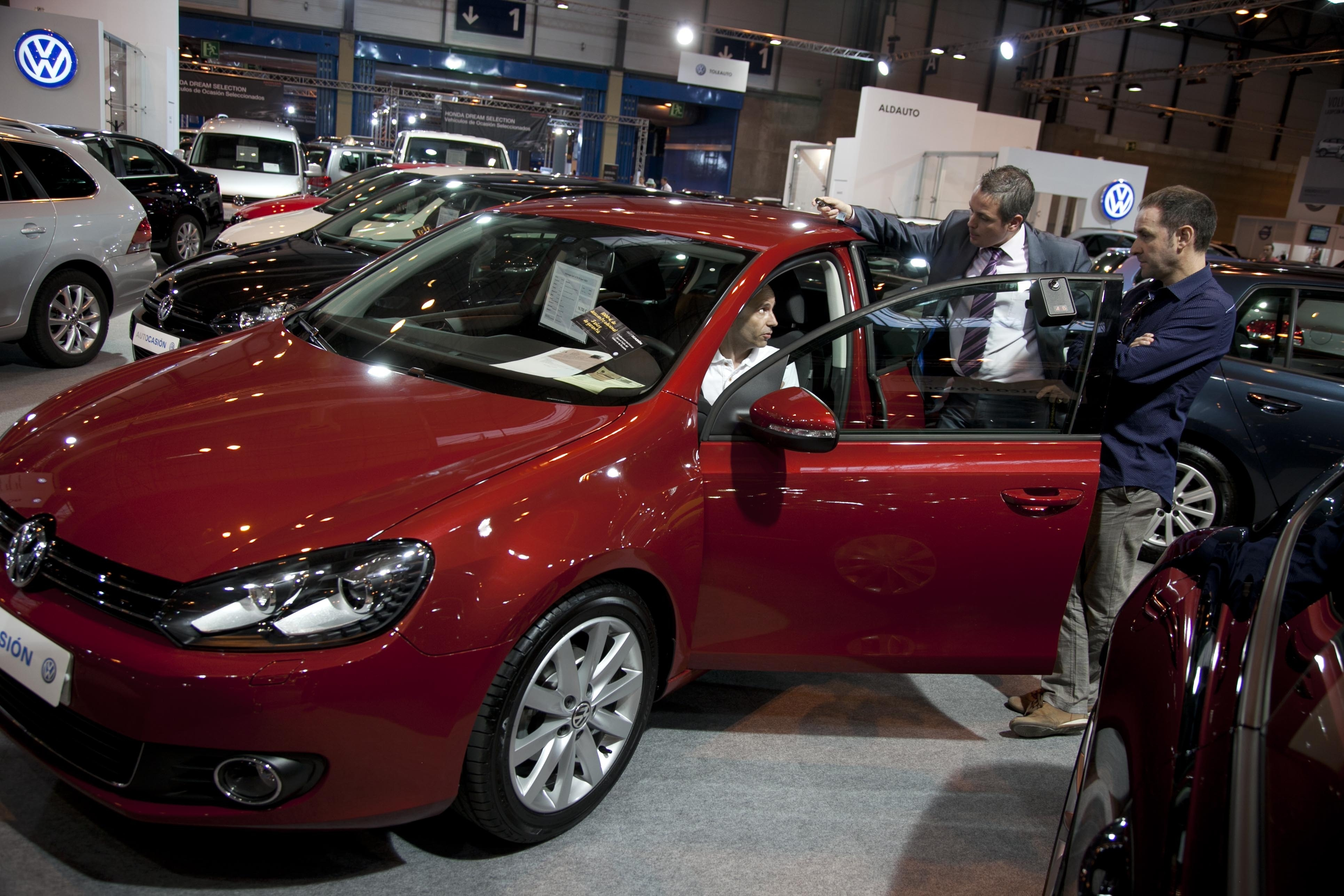 Las ventas de coches cierran el primer semestre con una caída del 5% tras bajar un 2% en junio