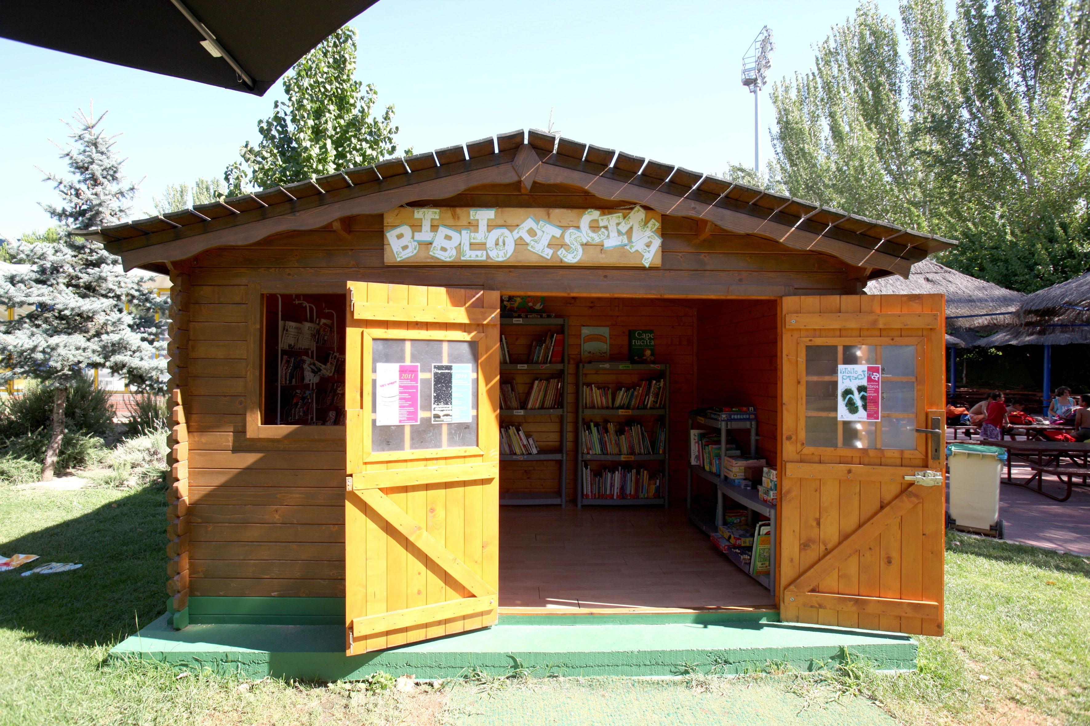 Abre la bibliopiscina con cuentos, libros y cómics