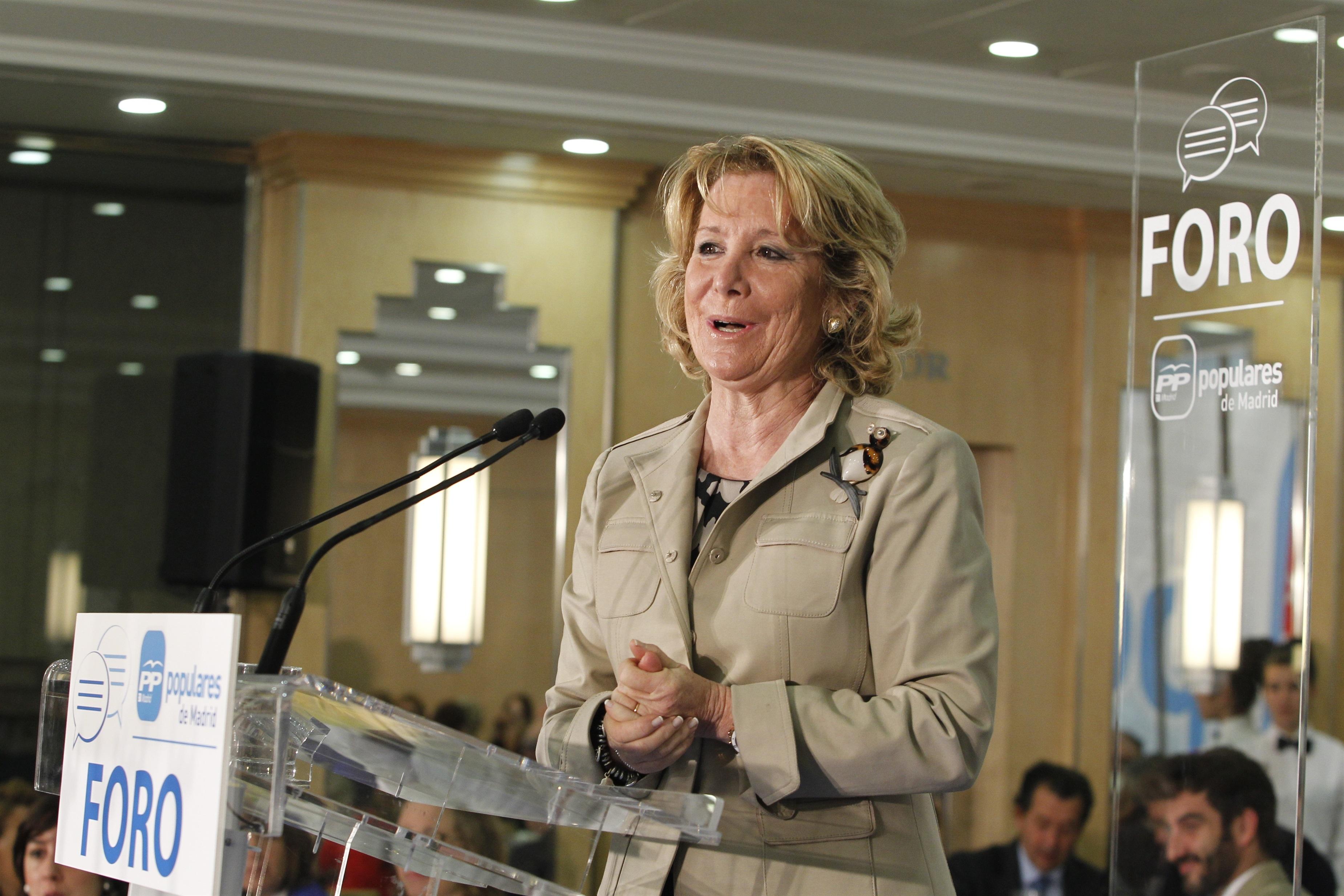 Aguirre llega «abochornada» al Comité Ejecutivo Nacional por «la corrupción en el PP»
