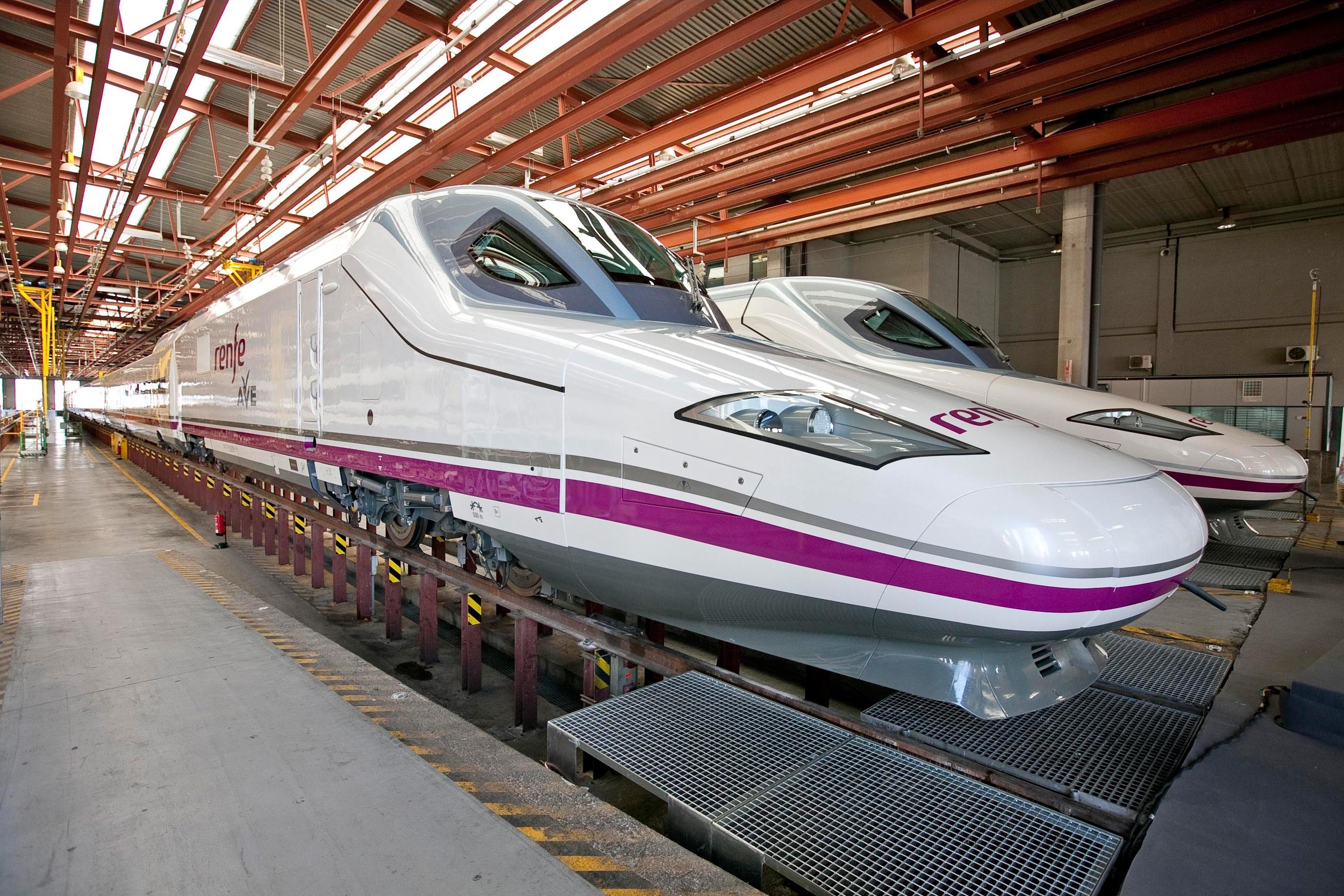 Ana Pastor inaugura el tren directo entre Vigo y Oporto