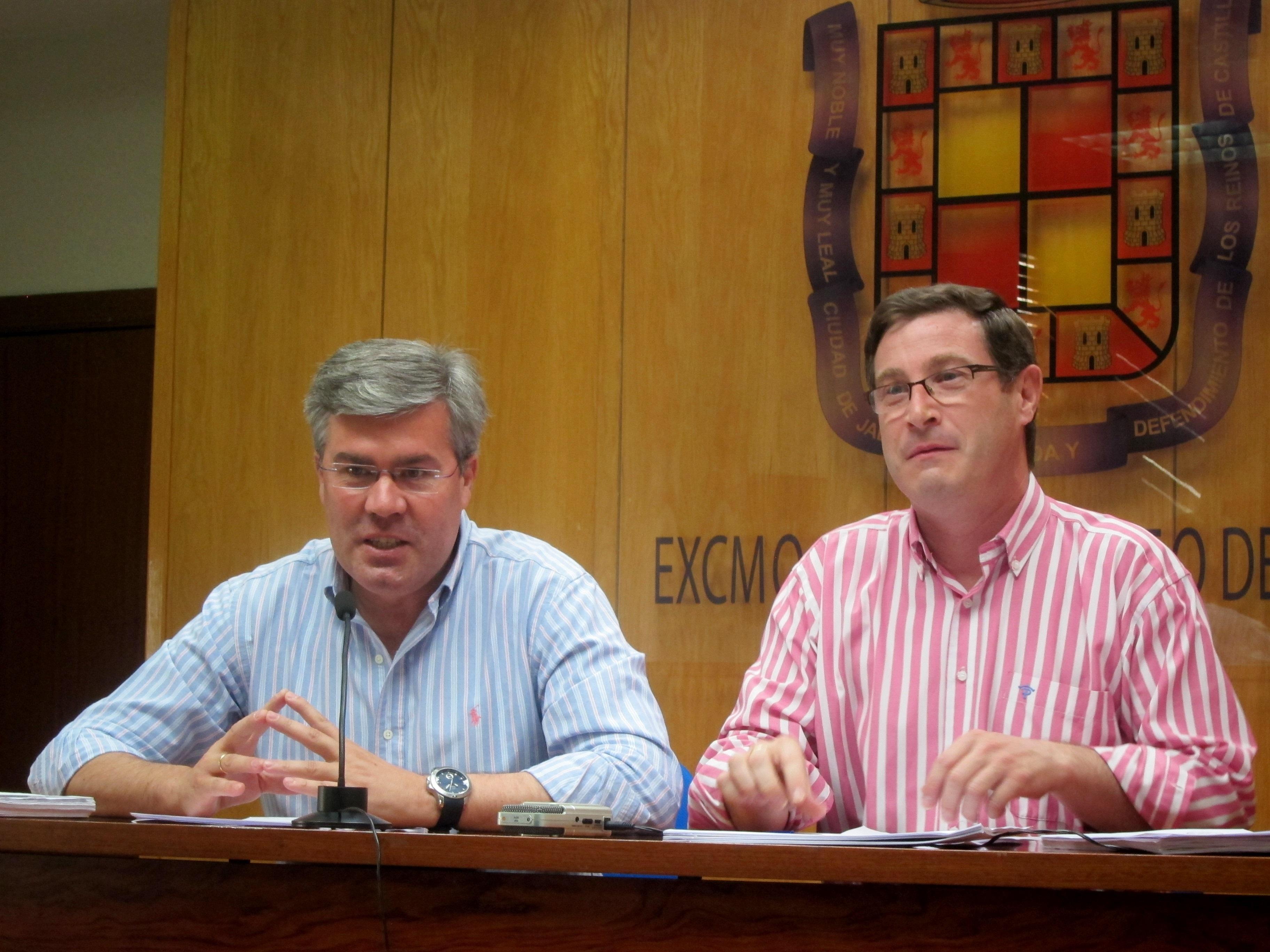 El Ayuntamiento convocará este mes una reunión a cuatro bandas como «último intento» para explotar el tranvía