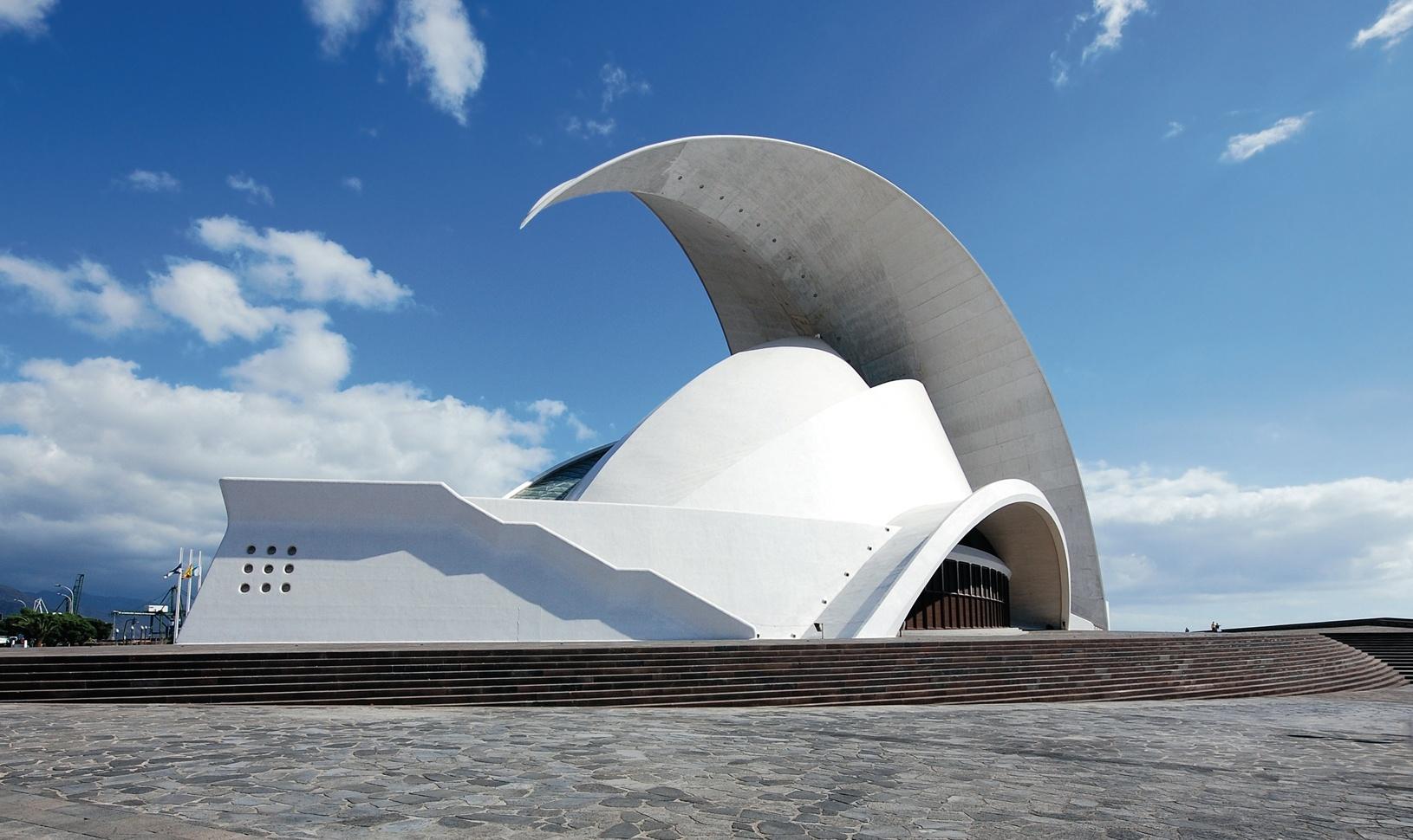 Cabildo, Ayuntamiento y Ashotel firman un convenio para la promoción de la capital tinerfeña como destino de congresos