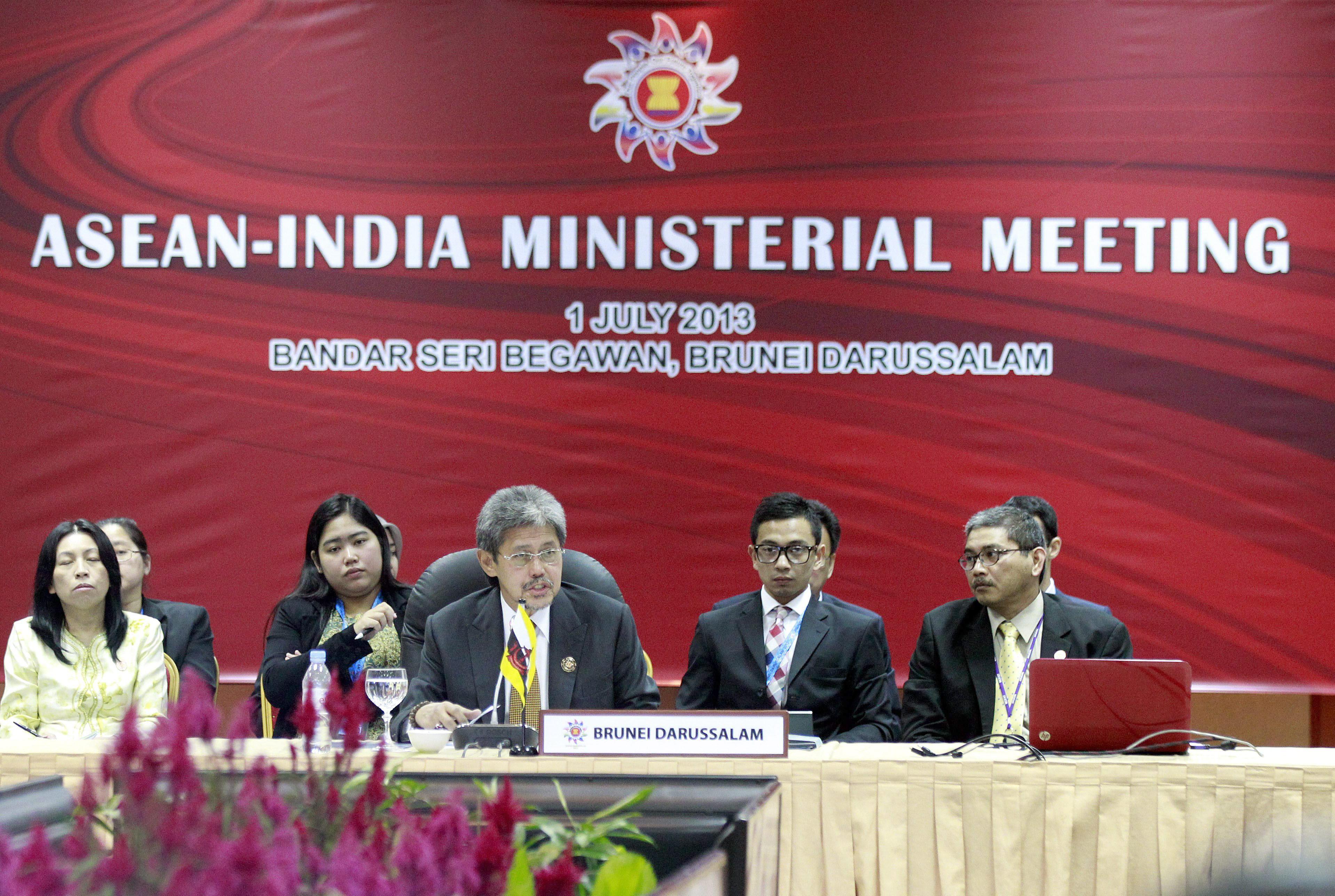 China y la ASEAN pactan una reunión para tratar las tensiones territoriales