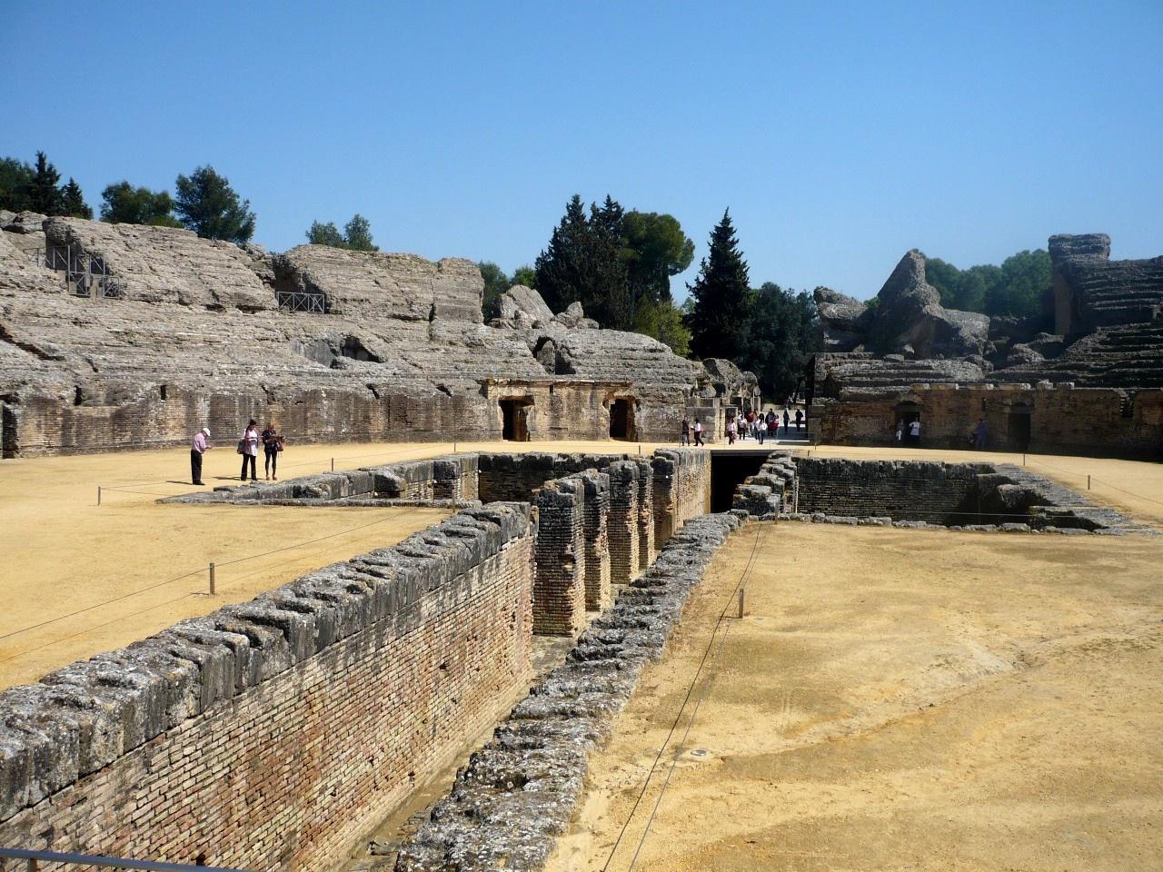 Cultura y Deporte convoca ofertas para espectáculos en los teatros romanos de Baelo Claudia e Itálica