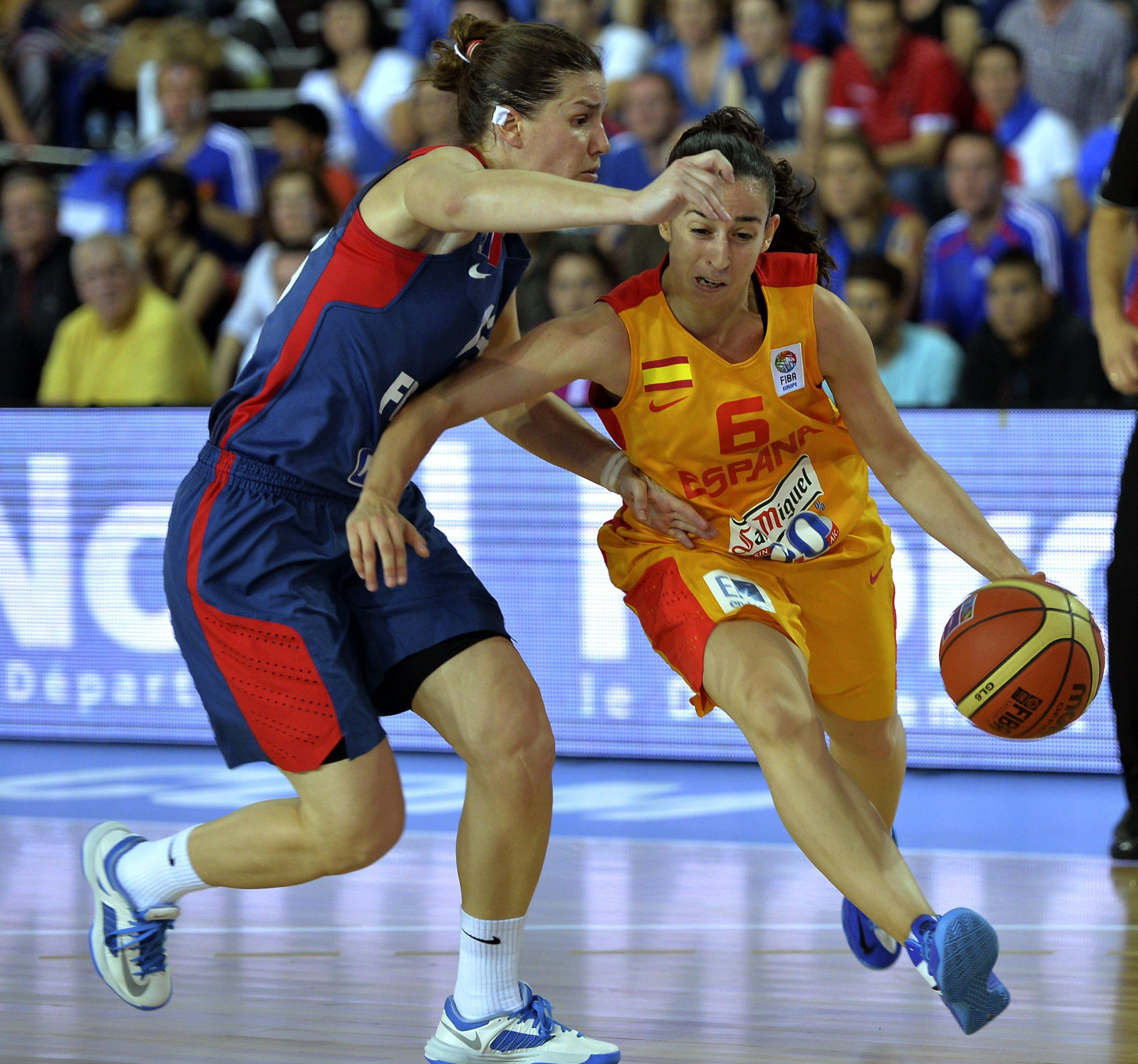 Rajoy felicita a la selección femenina por victoria en el Eurobasket