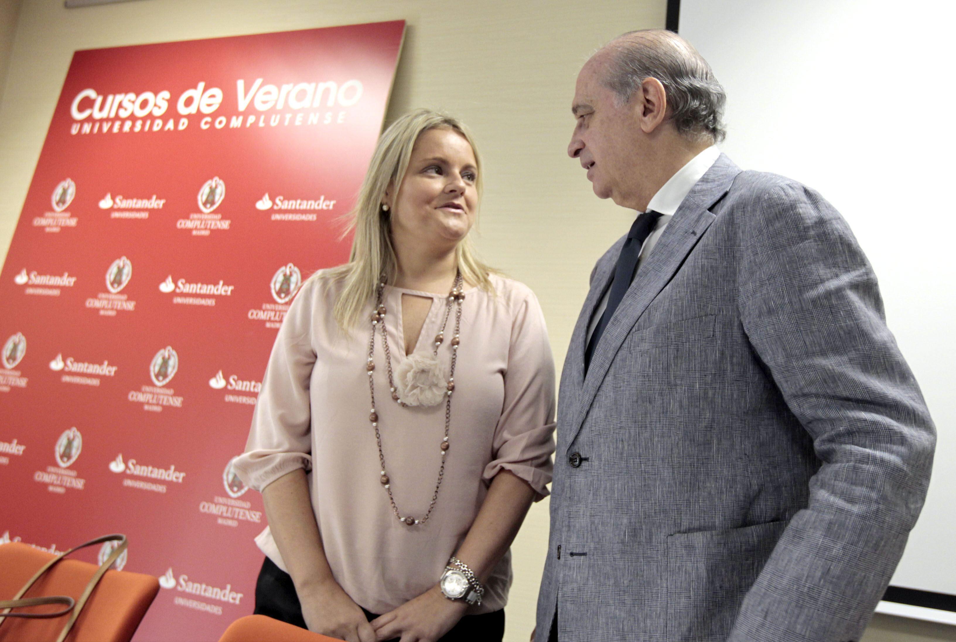 Fernández Díaz afirma que a ETA sólo le queda disolverse por las buenas o por la malas