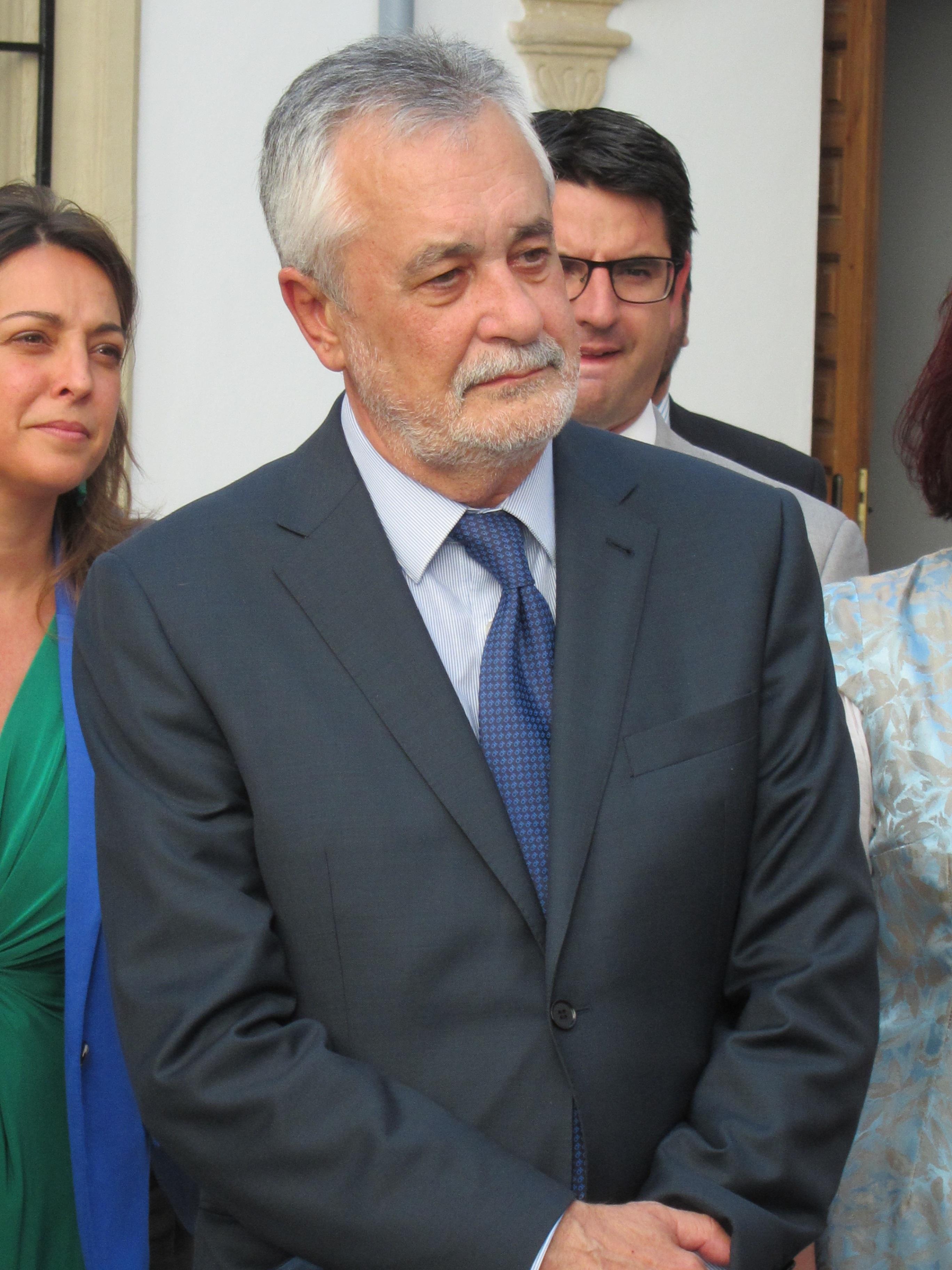 Griñán afirma que no está en su pensamiento dejar la presidencia de la Junta, «pero eso puede ocurrir o no»