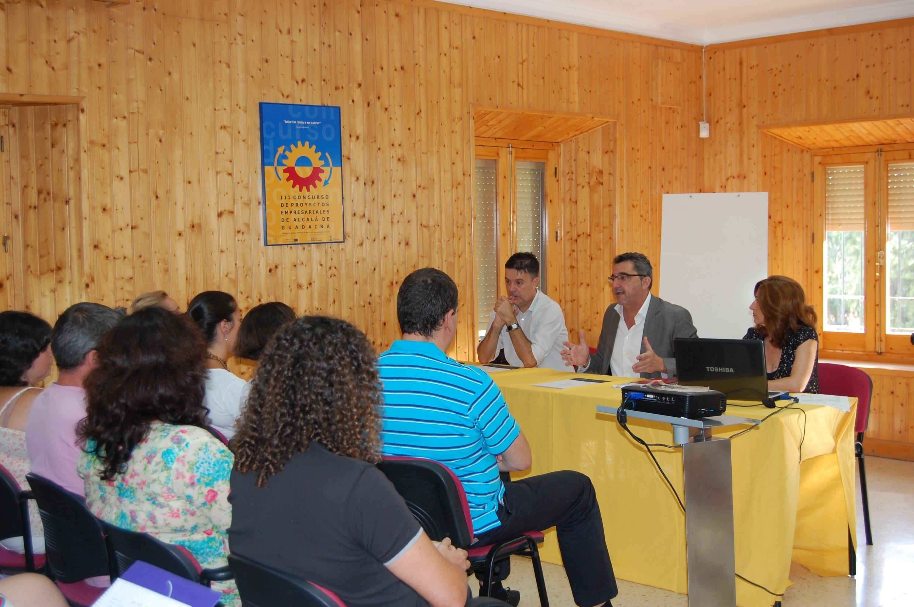 Gutiérrez Limones inaugura el taller de empleo »Emplea-T»
