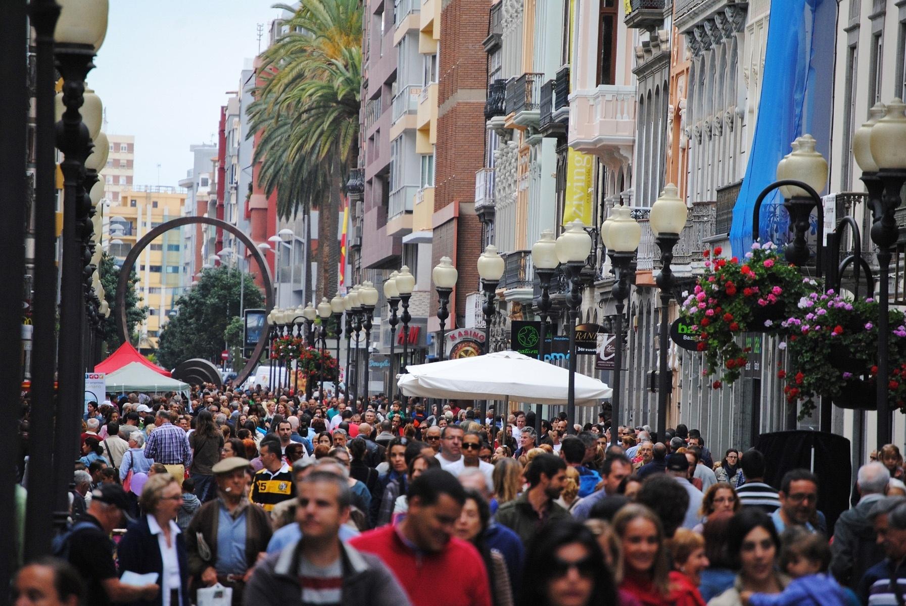 El »LPA Sunday Shopping Party» anima la campaña de rebajas de verano en Las Palmas de Gran Canaria