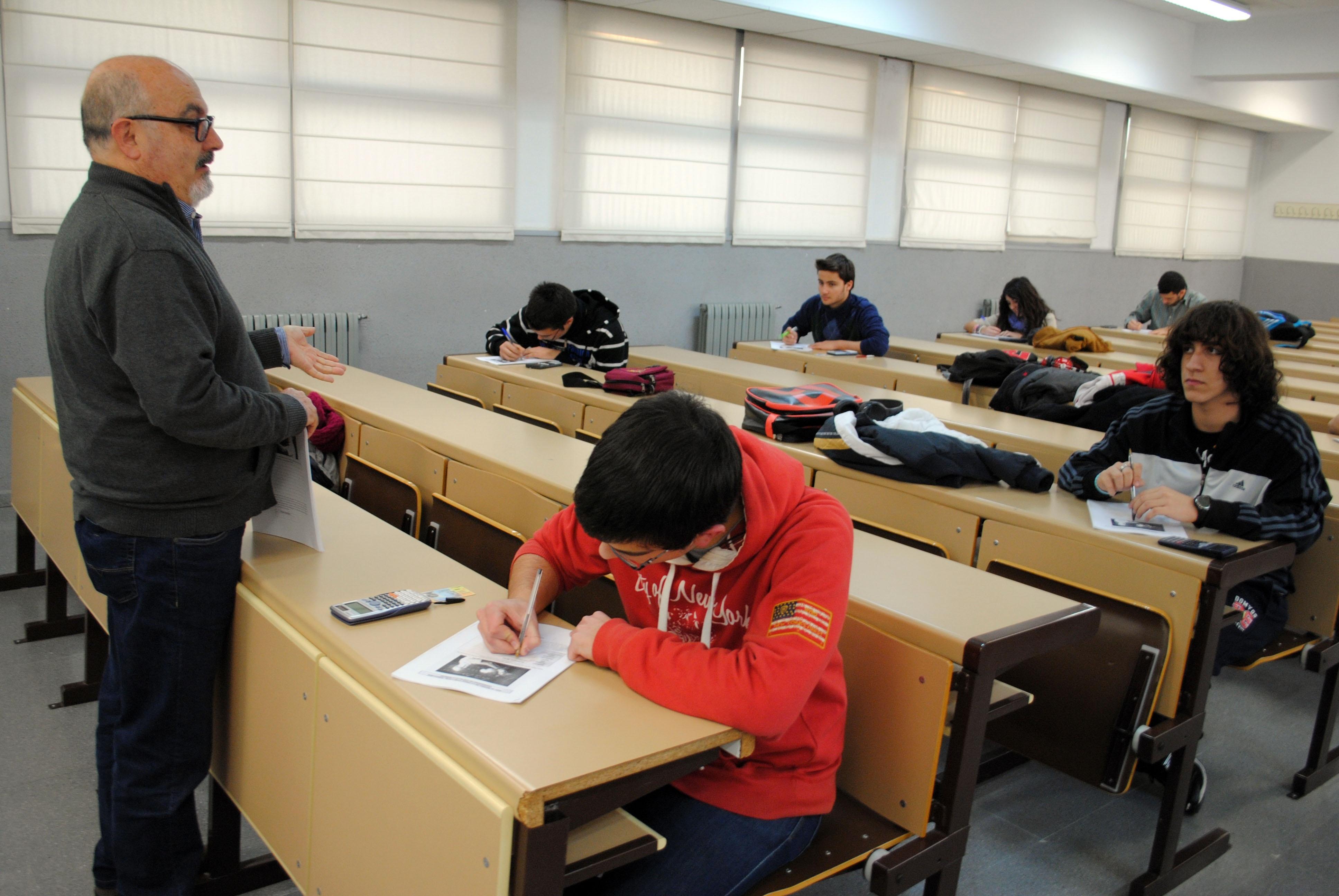La Ley de Convivencia Escolar de Extremadura reforzará el reconocimiento del profesorado como «autoridad pública»