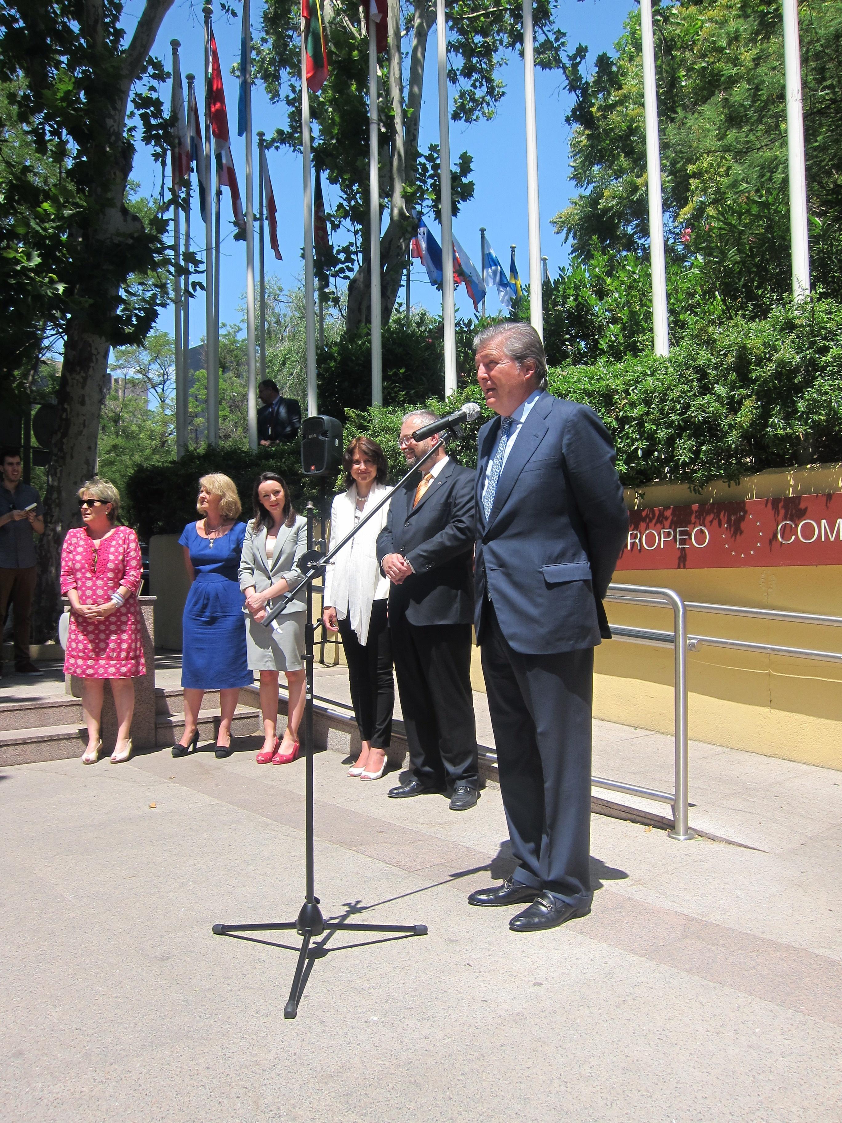 Méndez de Vigo asegura que la UE «exigirá» las explicaciones debidas a EEUU sobre su espionaje