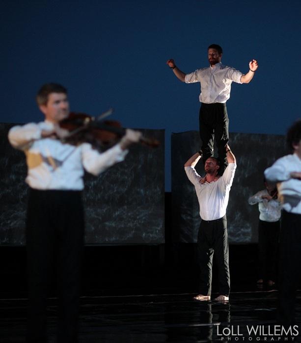 El circo musical de »Opus» abre el Festival Grec con acrobacias «imposibles»