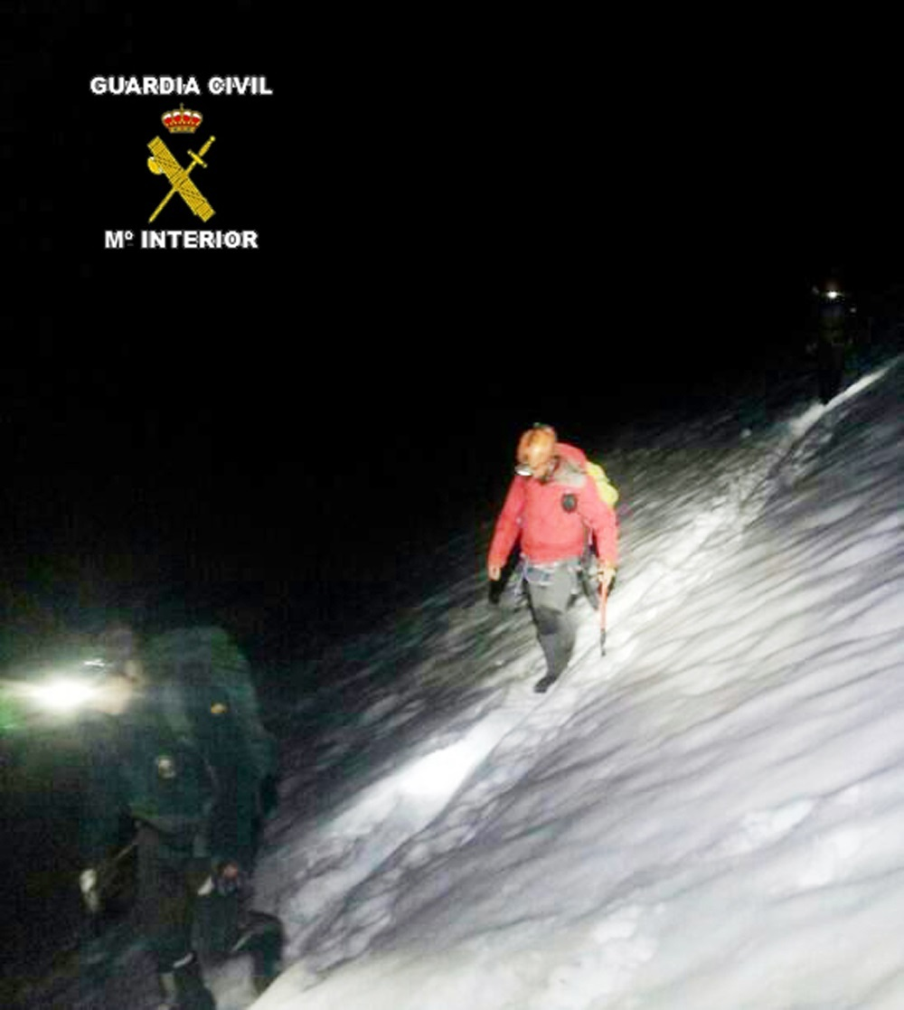 Rescatados dos montañeros de Madrid en el Espolón de los Franceses